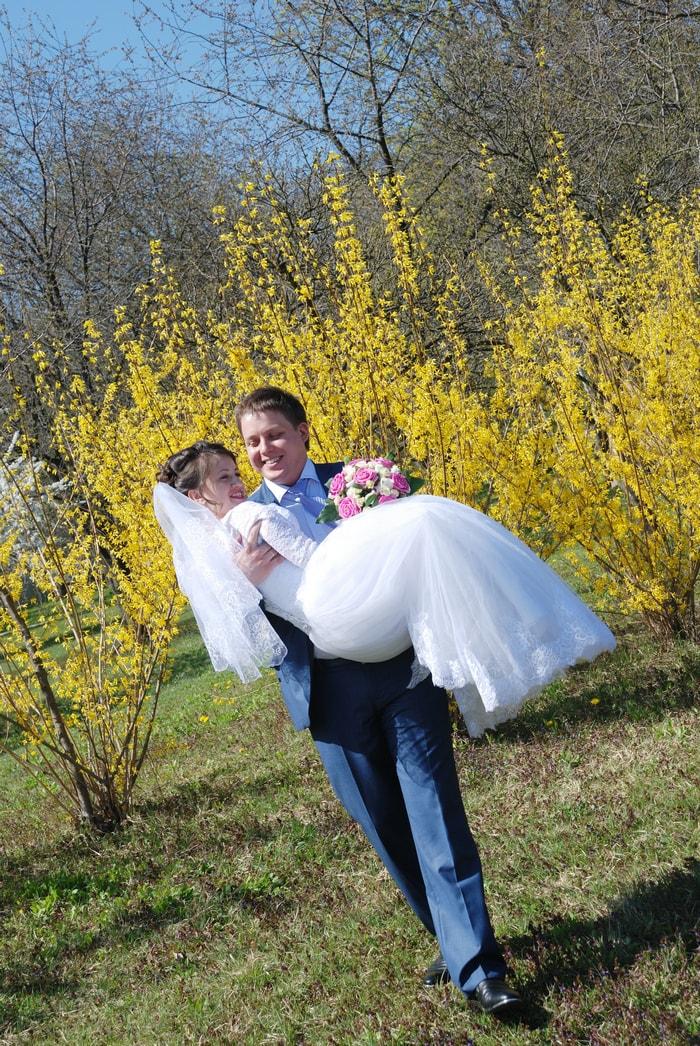 Невеста на руках у жениха - Женя Лайт - Фотограф Киев