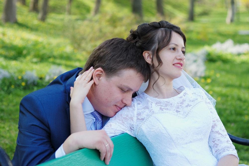 Жених на плече невесты - Женя Лайт - Фотограф Киев
