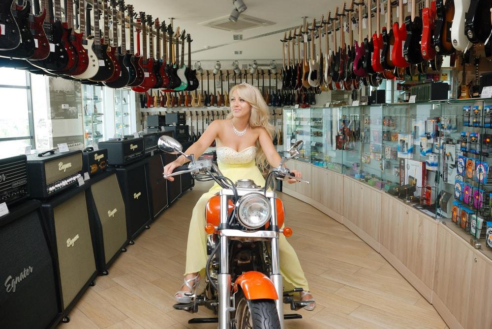 Невеста на мотоцикле - Женя Лайт - Фотограф Киев