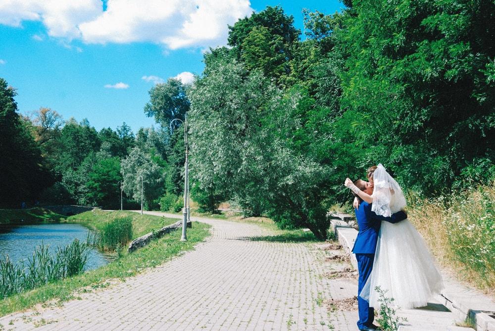 Фотосессия молодоженов в парке Феофания - Фотограф Женя Лайт