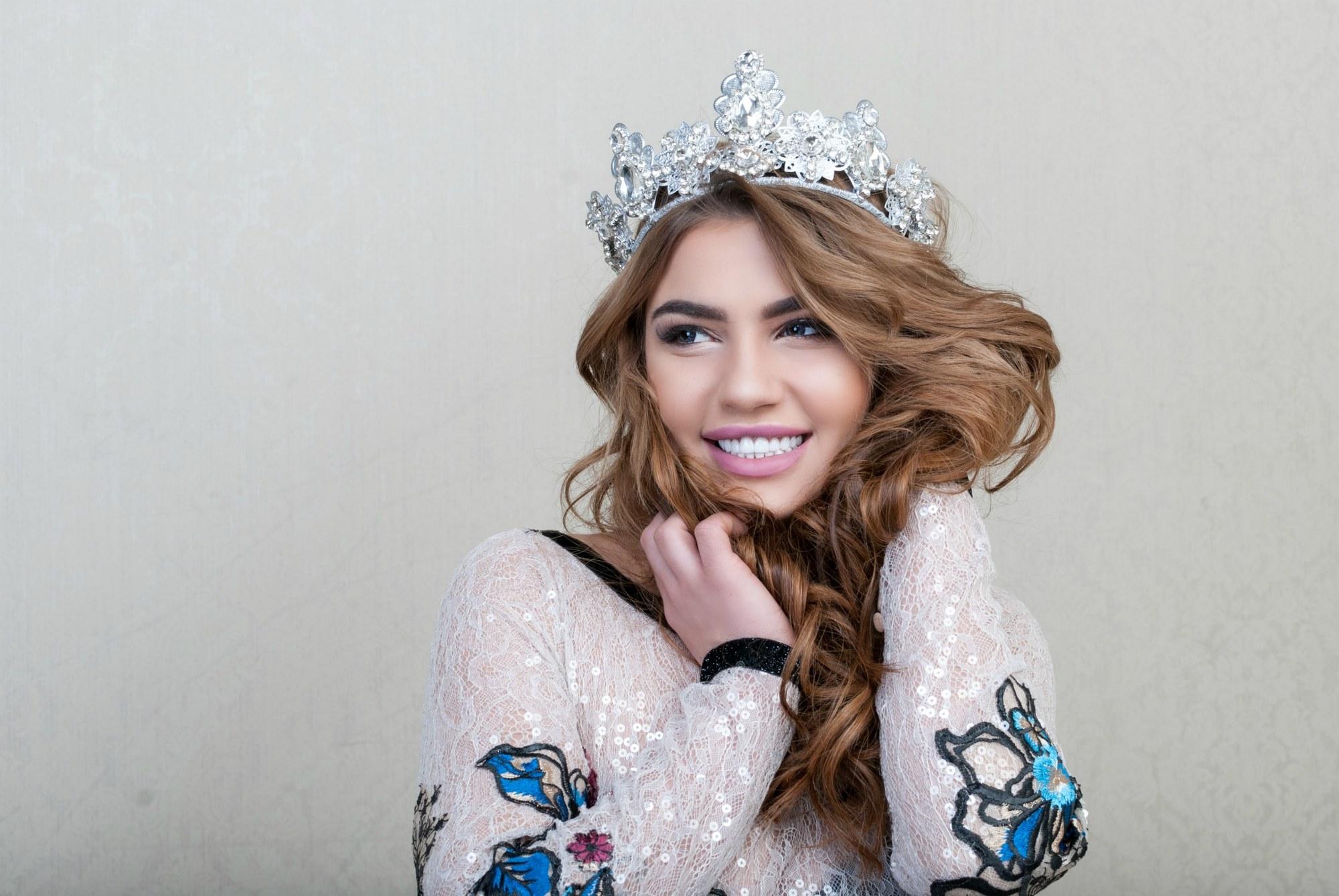Фотосессия девушки - победительницы конкурса красоты