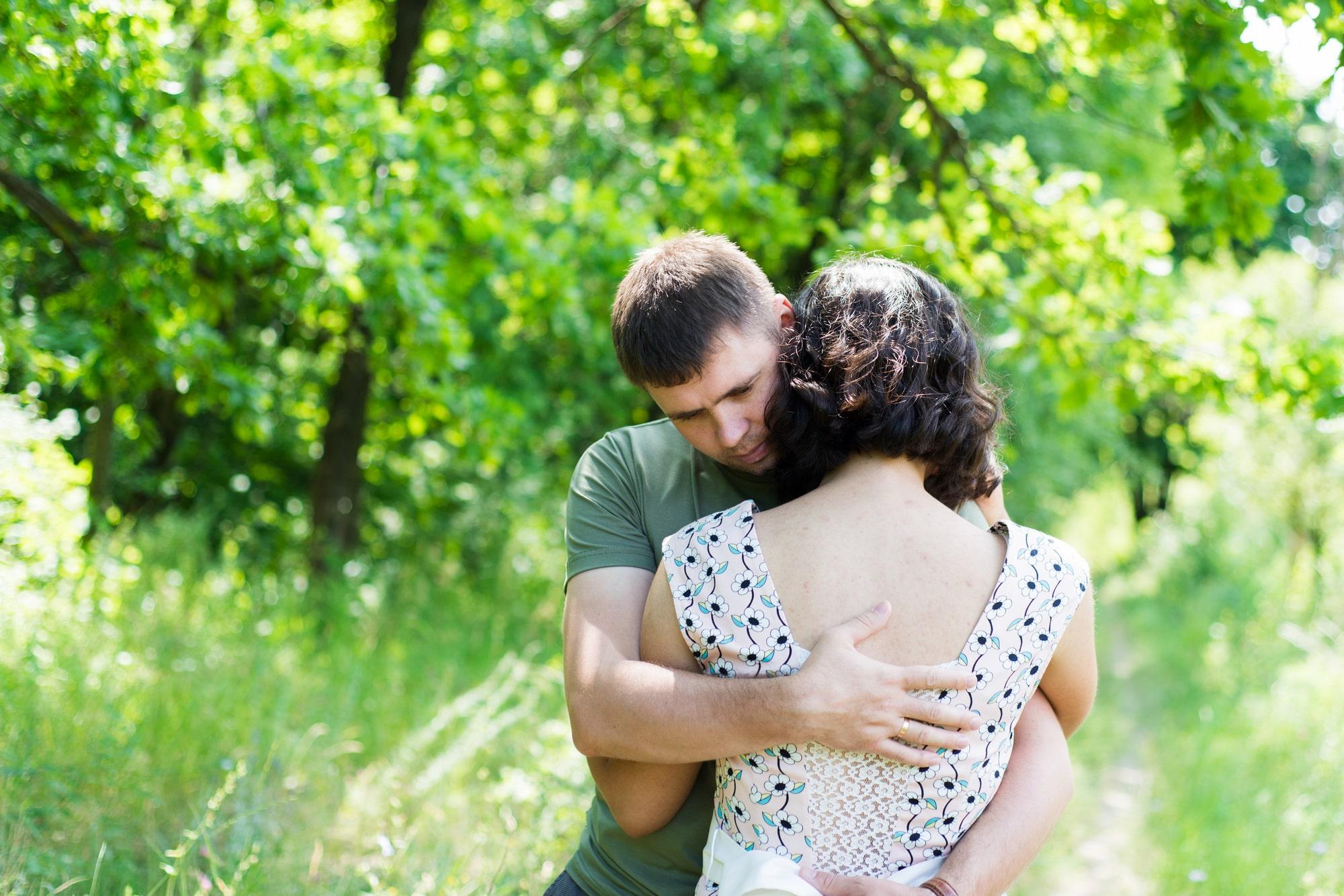 Фотосессия Love Story в зеленом парке - Фотограф Женя Лайт