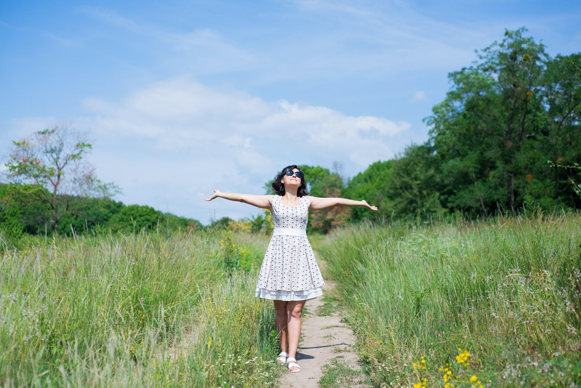 Фотосессия Love Story в травяном поле - Фотограф Женя Лайт