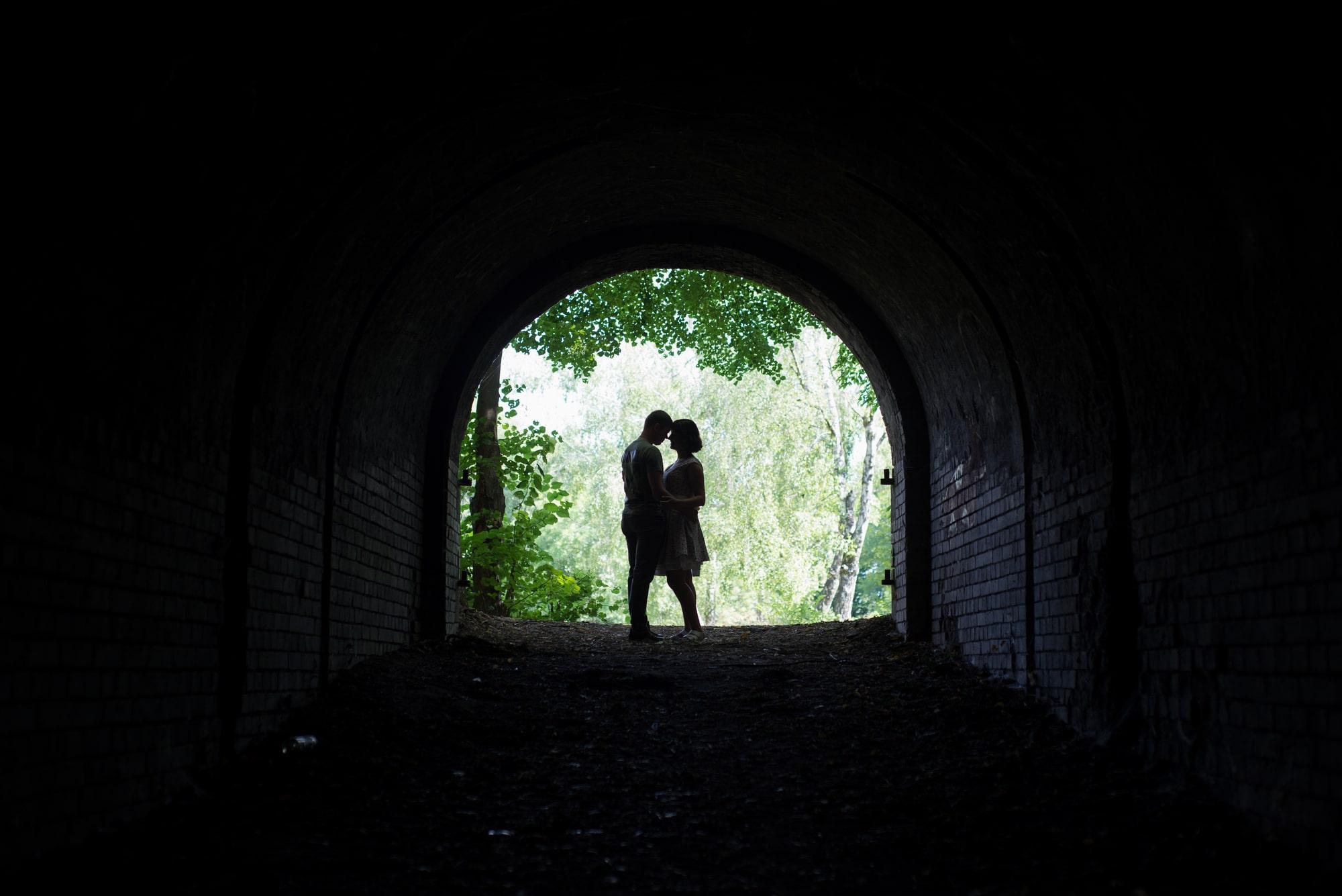 Фотосессия Love Story в тунеле влюбленных - Фотограф Женя Лайт