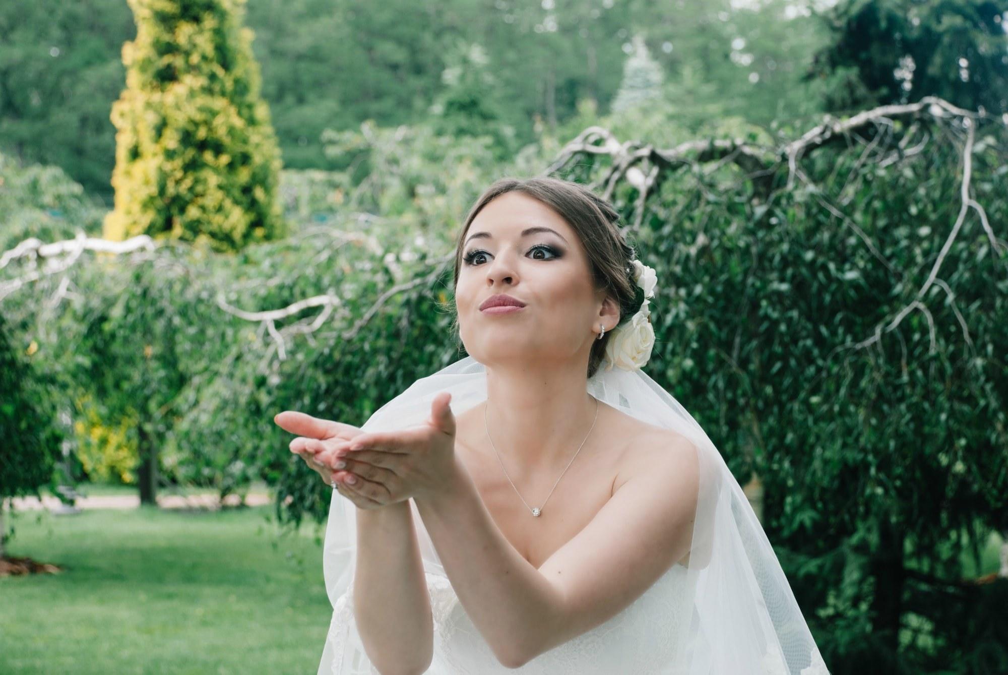Воздушный поцелуй от невесты - Фотограф Киев - Женя Лайт