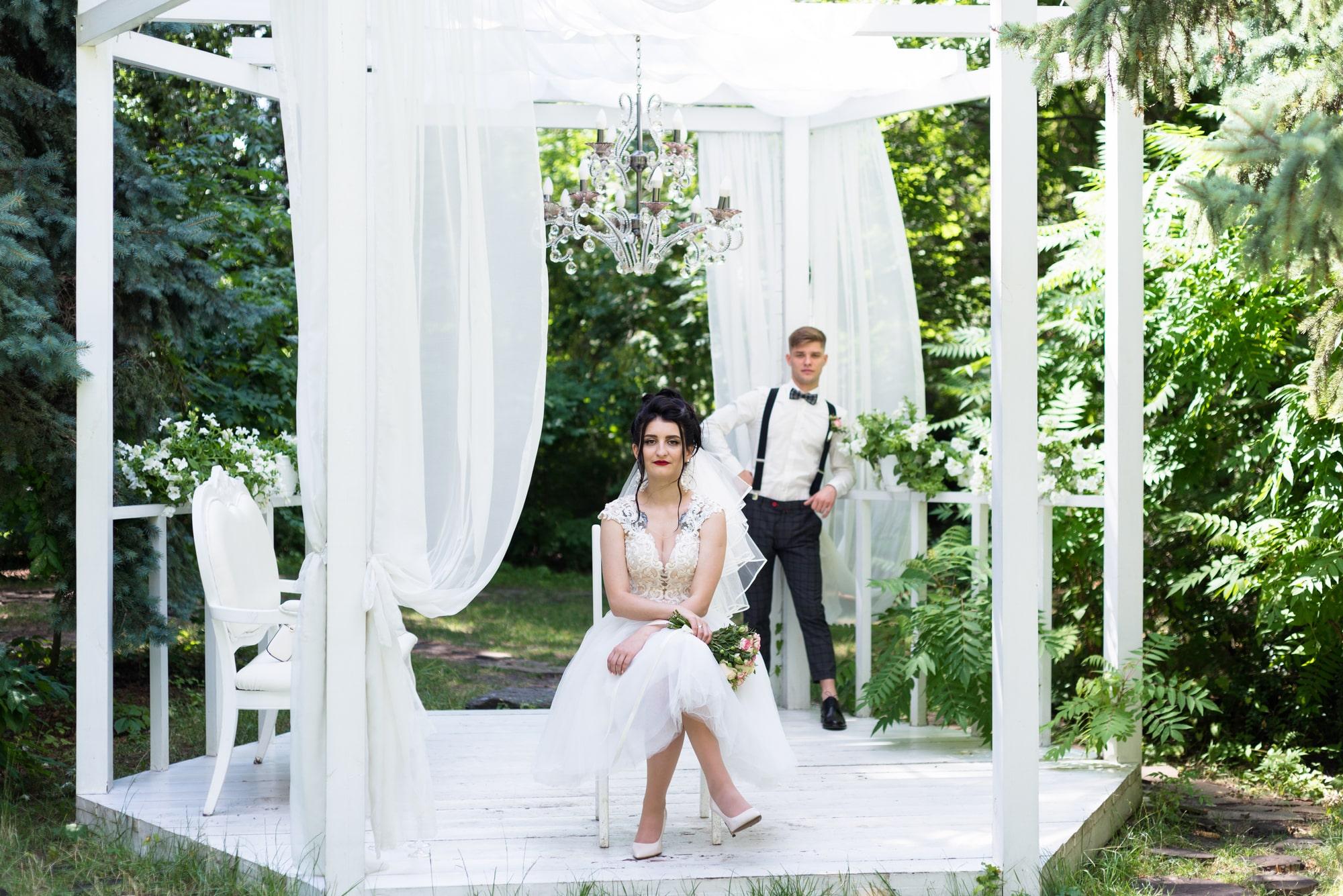 Свадебная фотосессия в студии Play - невеста и жених