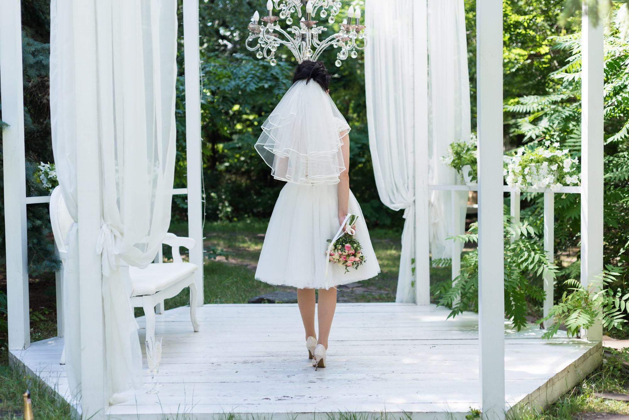 Свадебная фотосъемка в студии Плей - локация Сад