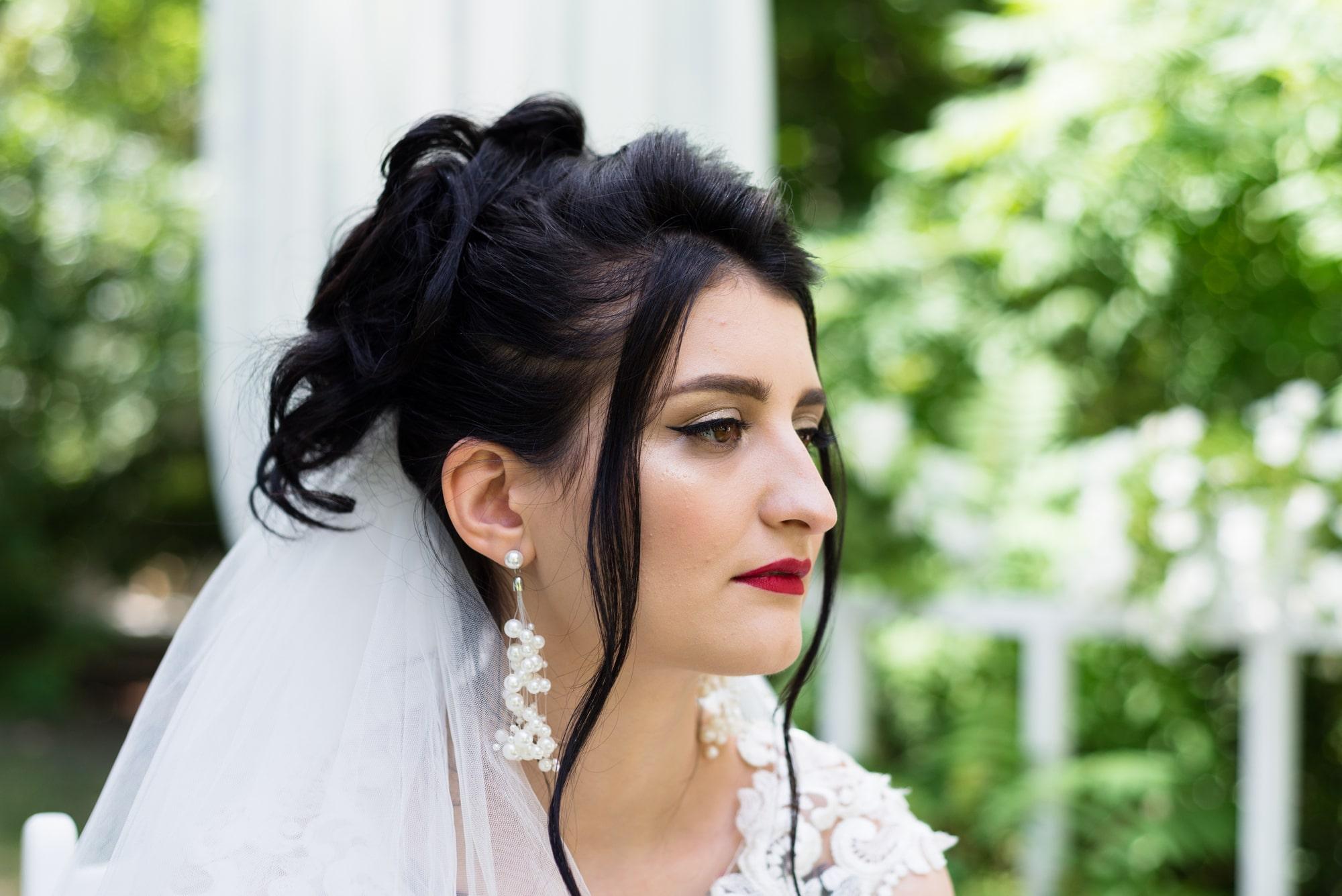 Свадебная фотосессия в студии Плей - профиль невесты
