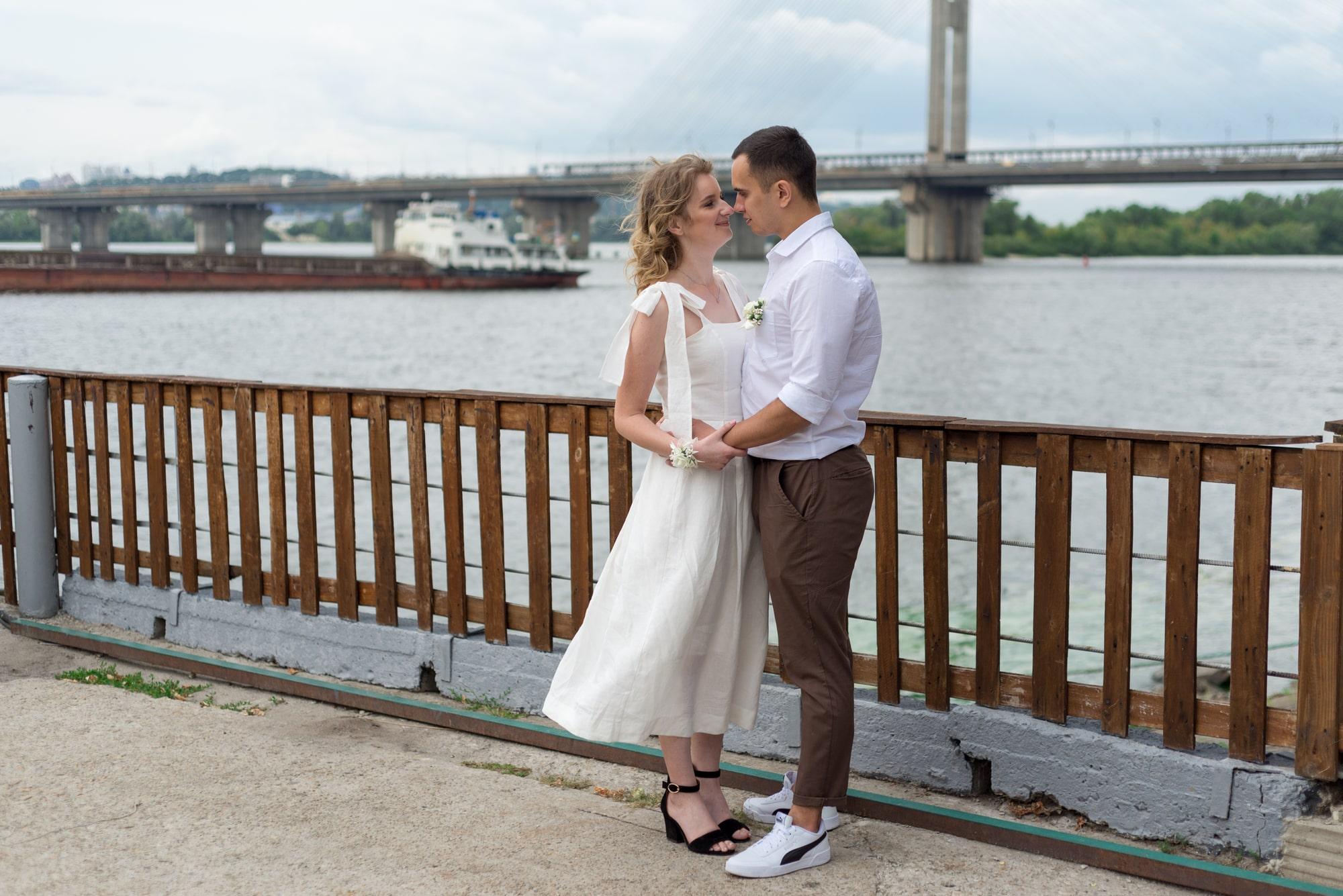 Фотосессия свадебная возле Днепра - танцы возле Днепра