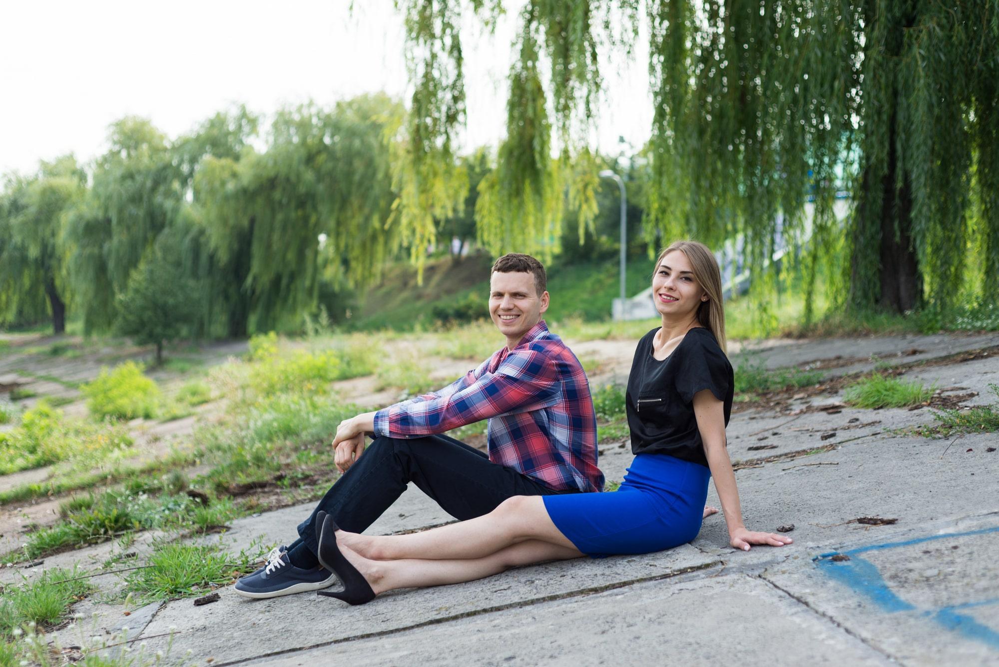 Фотосессия Love Story в Киеве - двое влюбленных на набережной