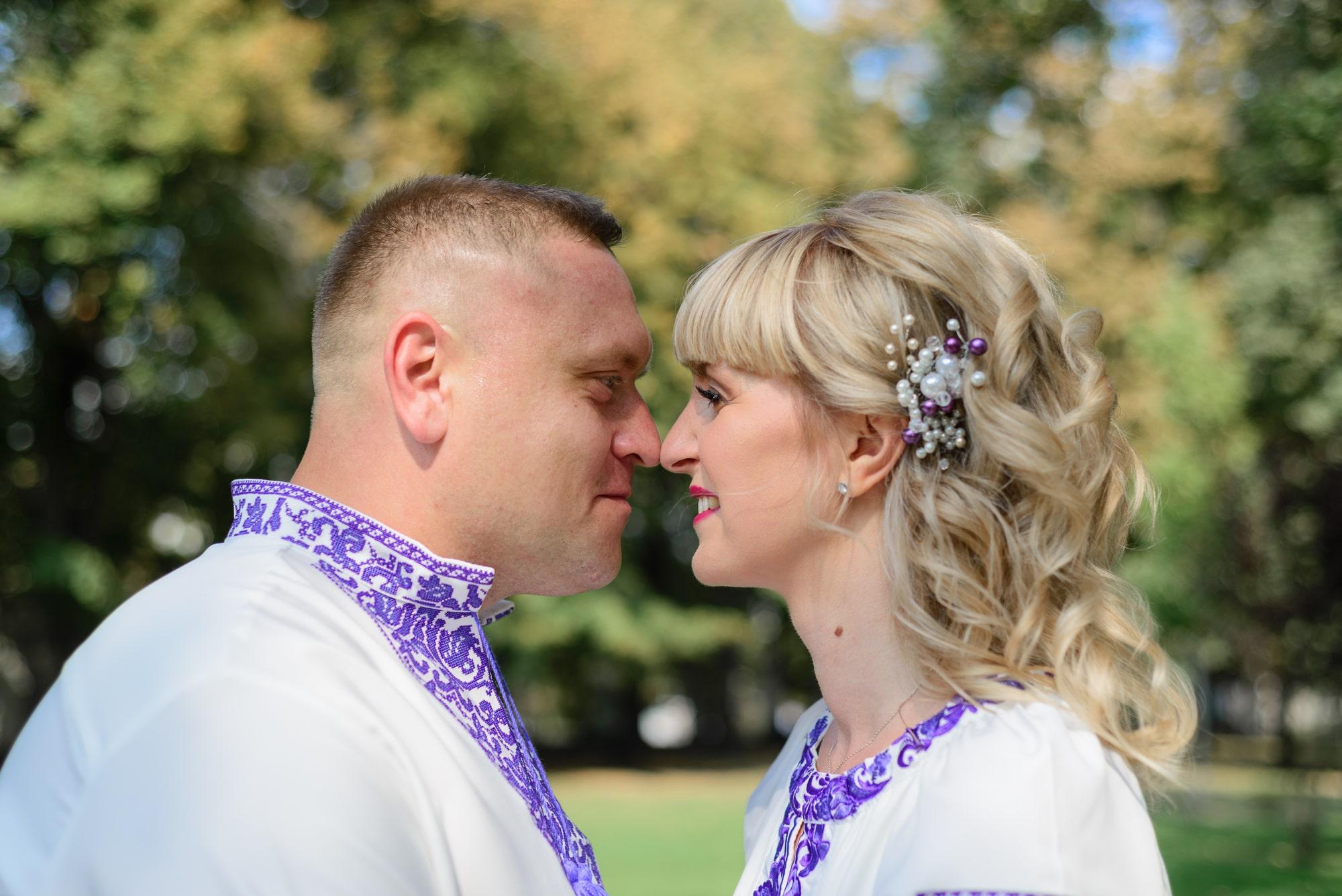 Свадебная фотосессия на Вднх - нежность