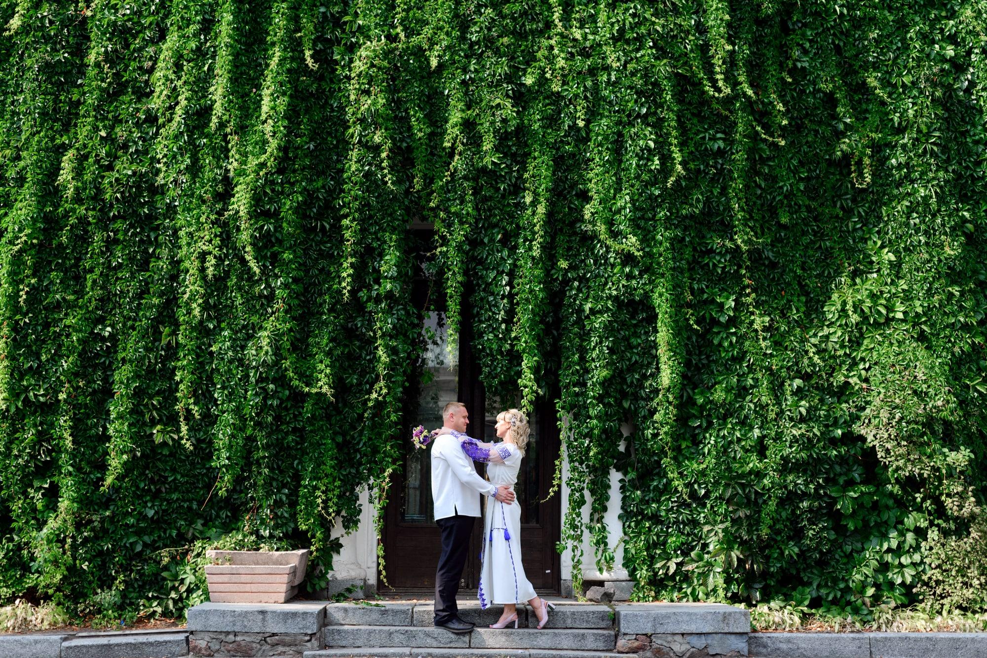Свадебная фотосессия на Вднх - возле теплицы