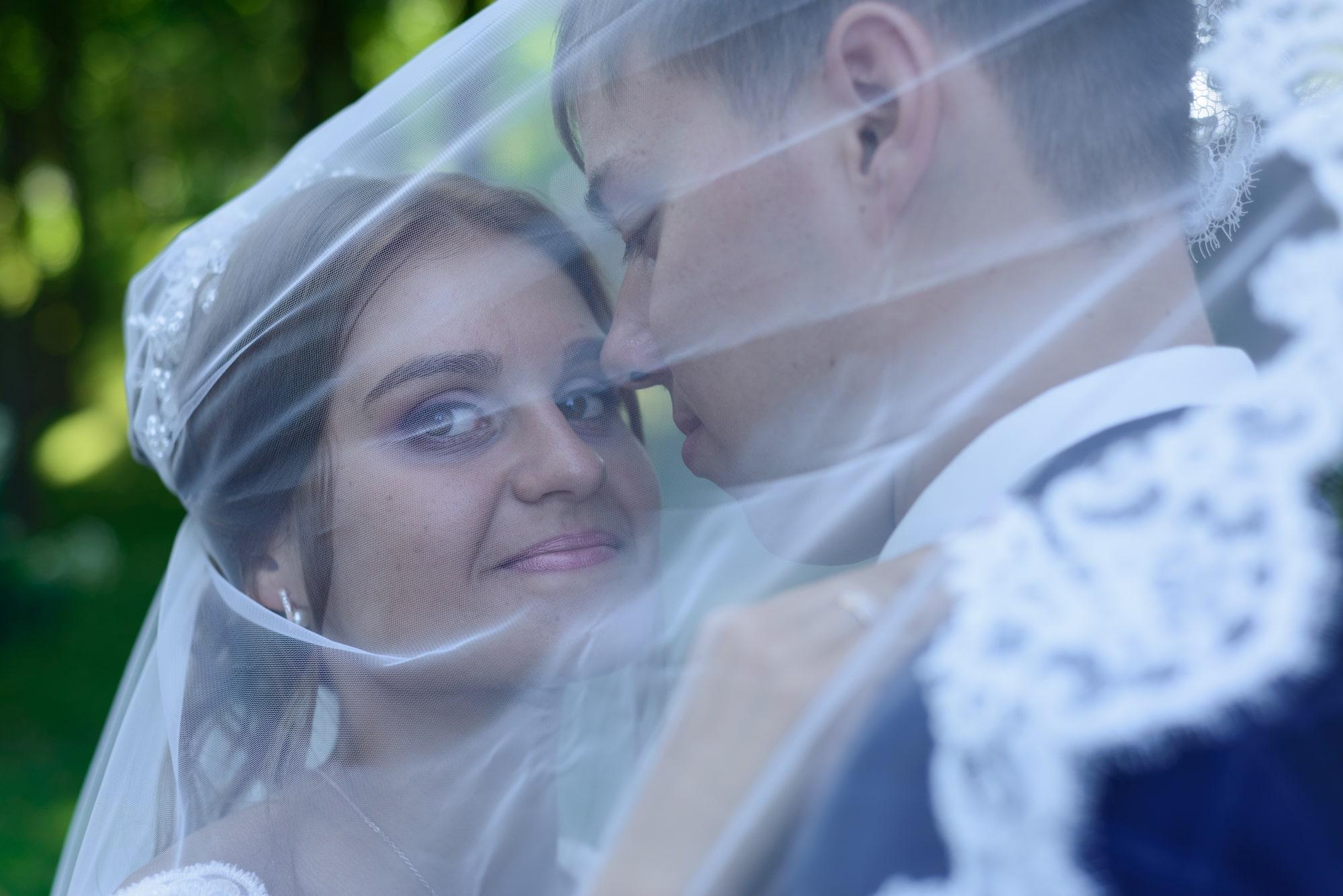 Свадебная фотосъемка в Межигорье - под фатой невесты