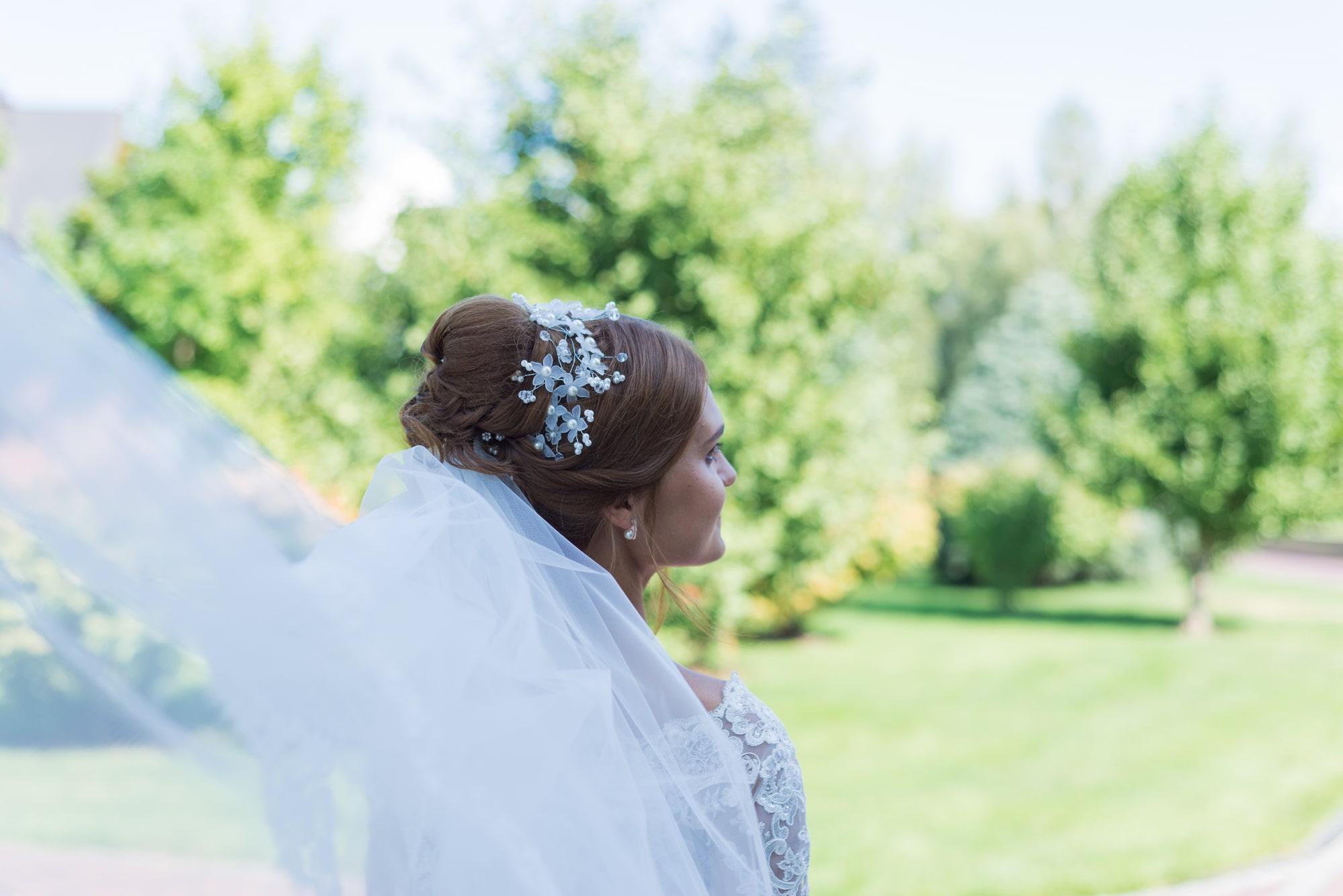 Свадебная фотосъемка в Межигорье - прическа неветы