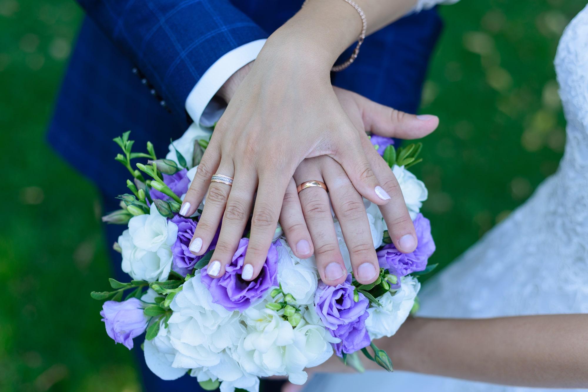 Свадебная фотосъемка в Межигорье - обручальные кольца