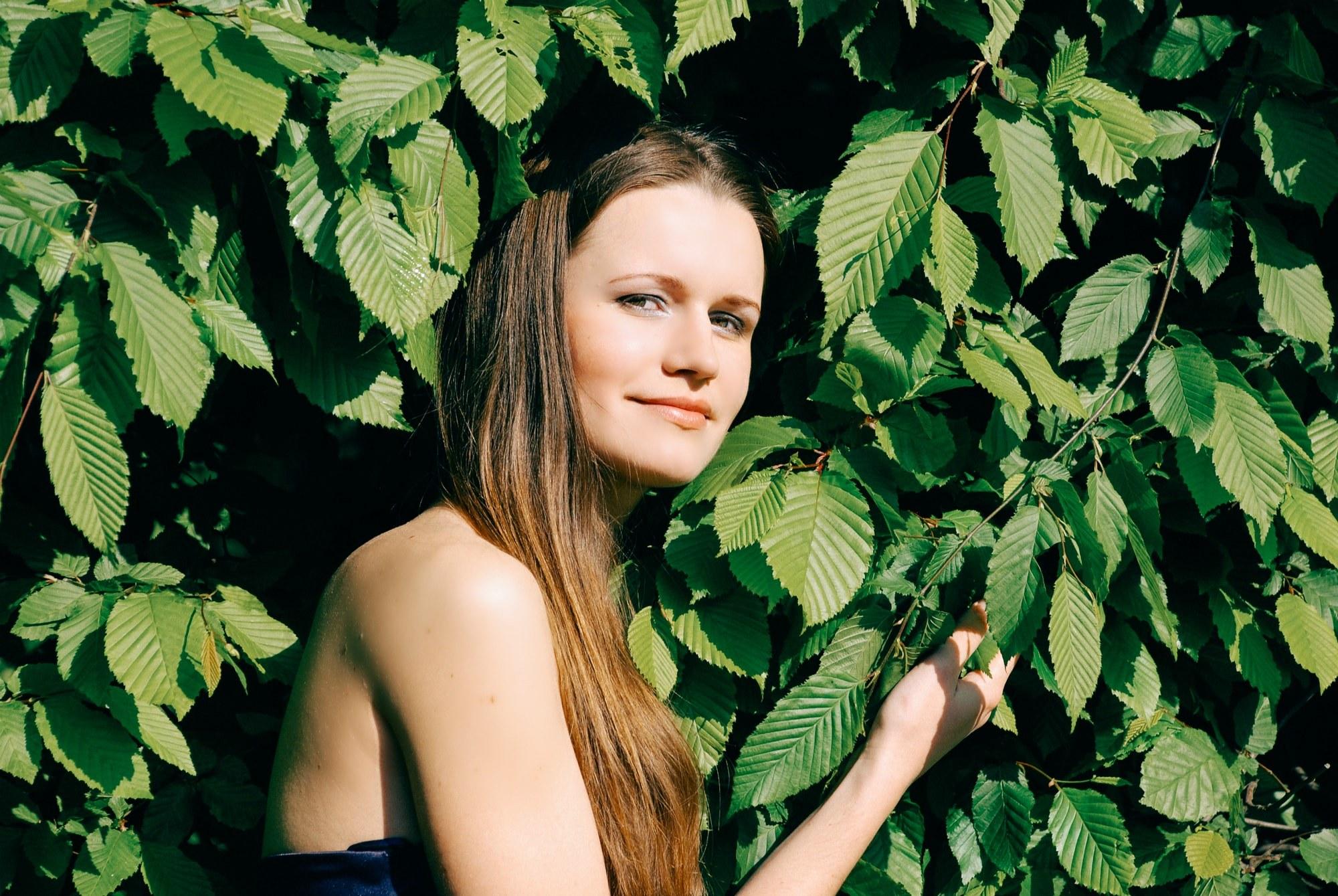 Фото девушки в парке - Фотограф Киев - Женя Лайт
