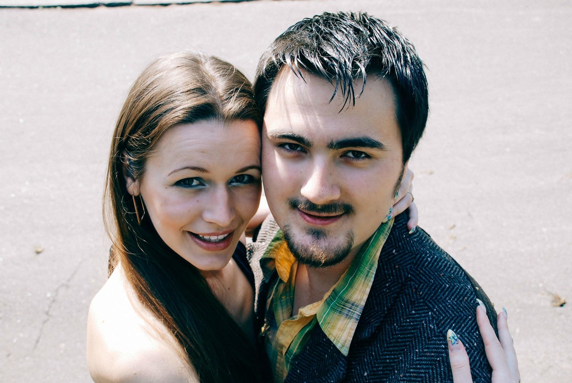 Пара на прогулке лавстори - Фотограф Киев - Женя Лайт