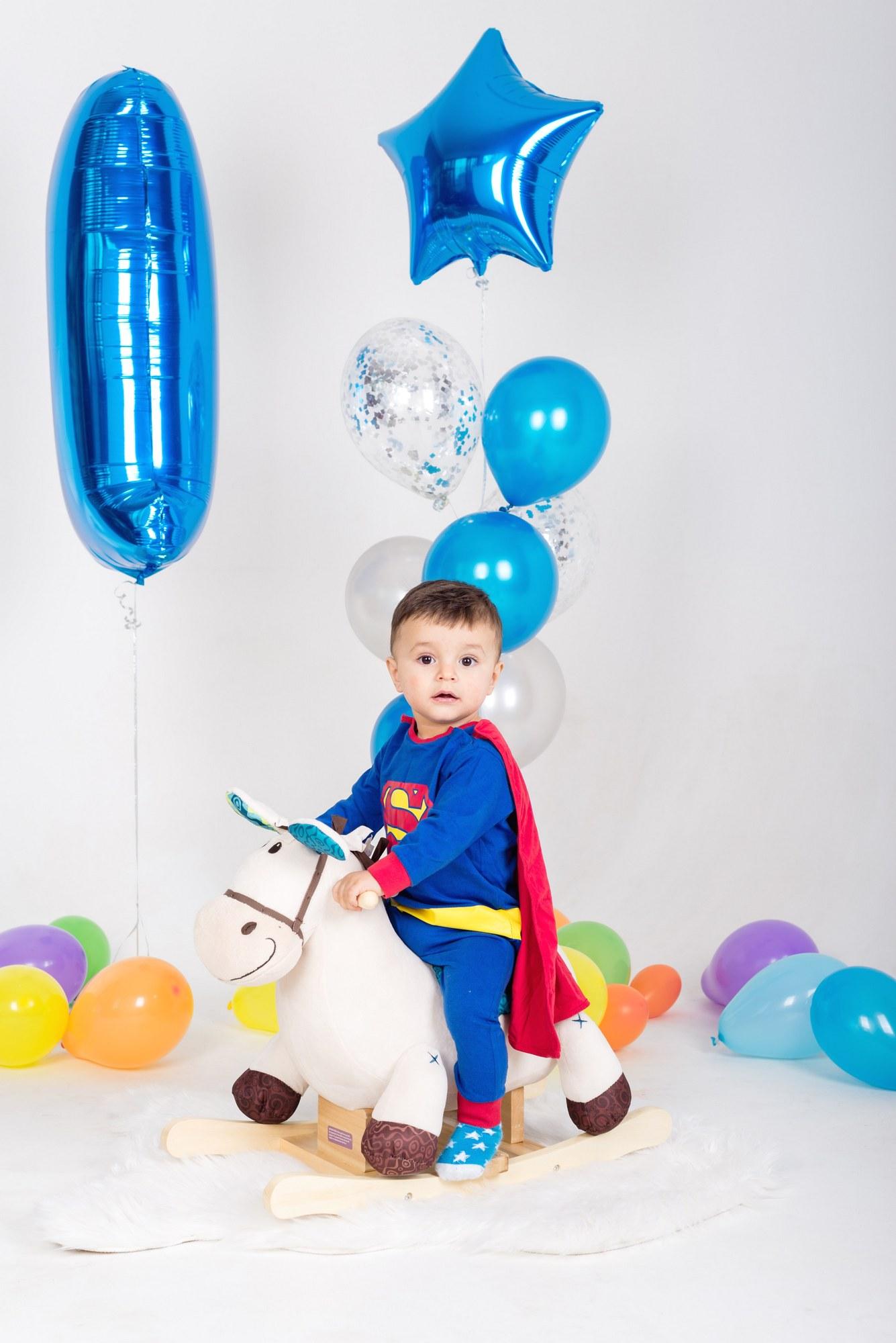 Детская фотосессия мальчика в 1 год