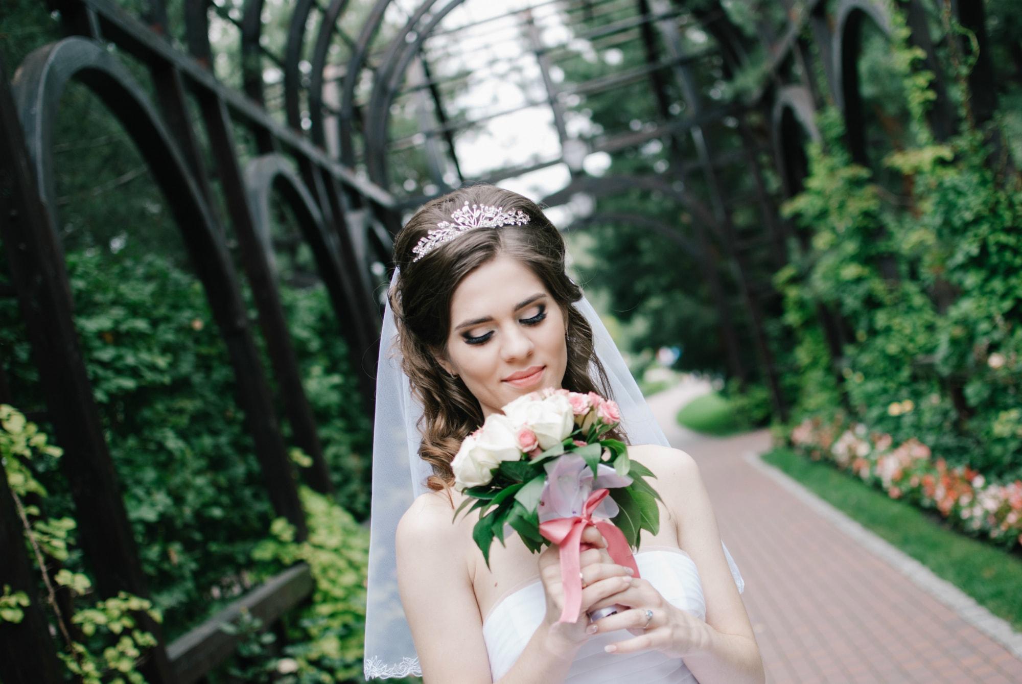 Невеста и цветы - Фотограф Киев - Женя Лайт