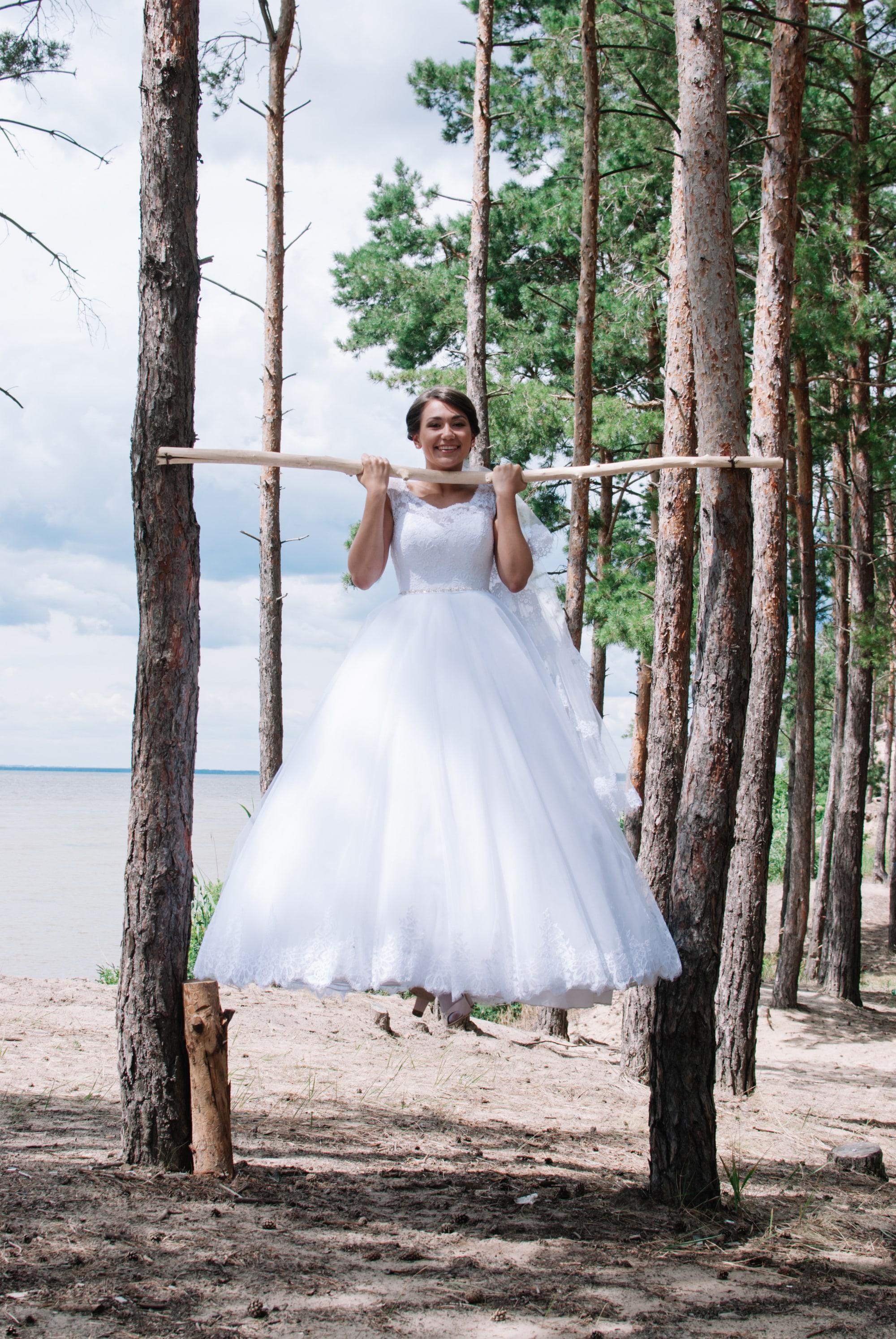 Спортивная невеста на турнике - Фотограф Киев - Женя Лайт