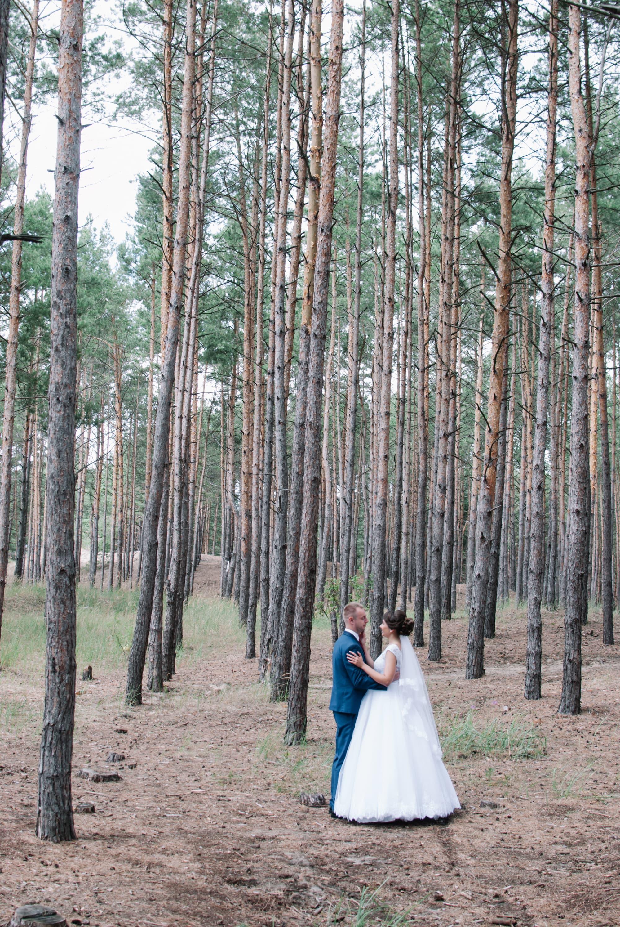 Фото молодых в лесу - Фотограф Киев - Женя Лайт