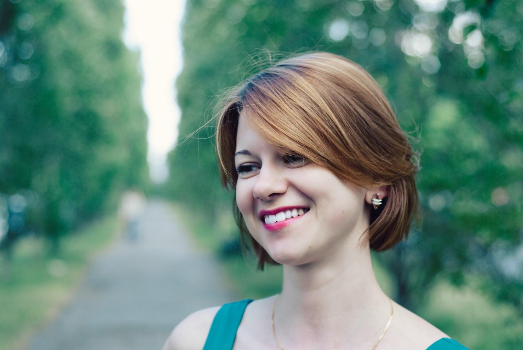 Фотография мечтательной девушки - Фотограф Киев - Женя Лайт