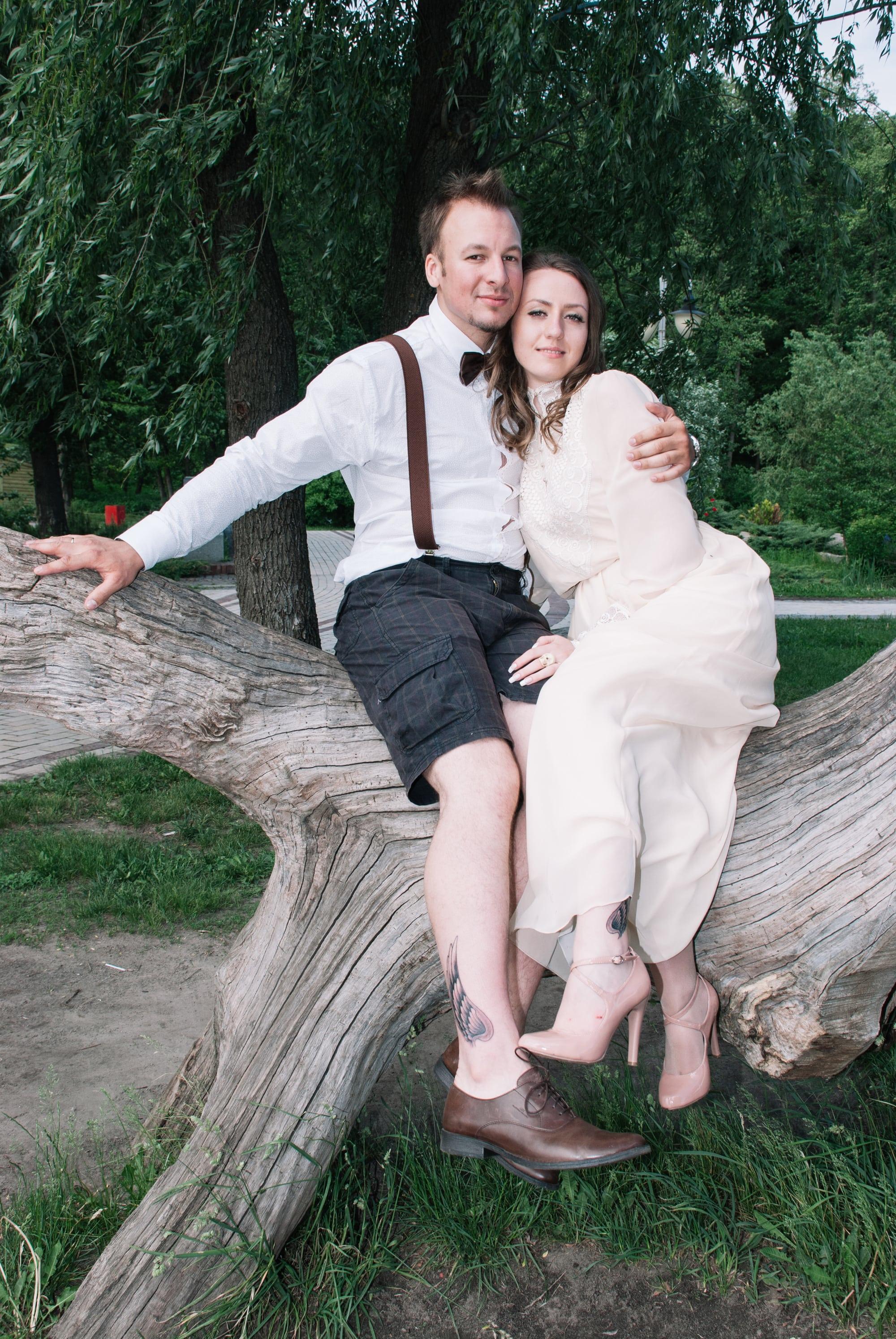 Парень с девушкой на коряге - Фотограф Киев - Женя Лайт