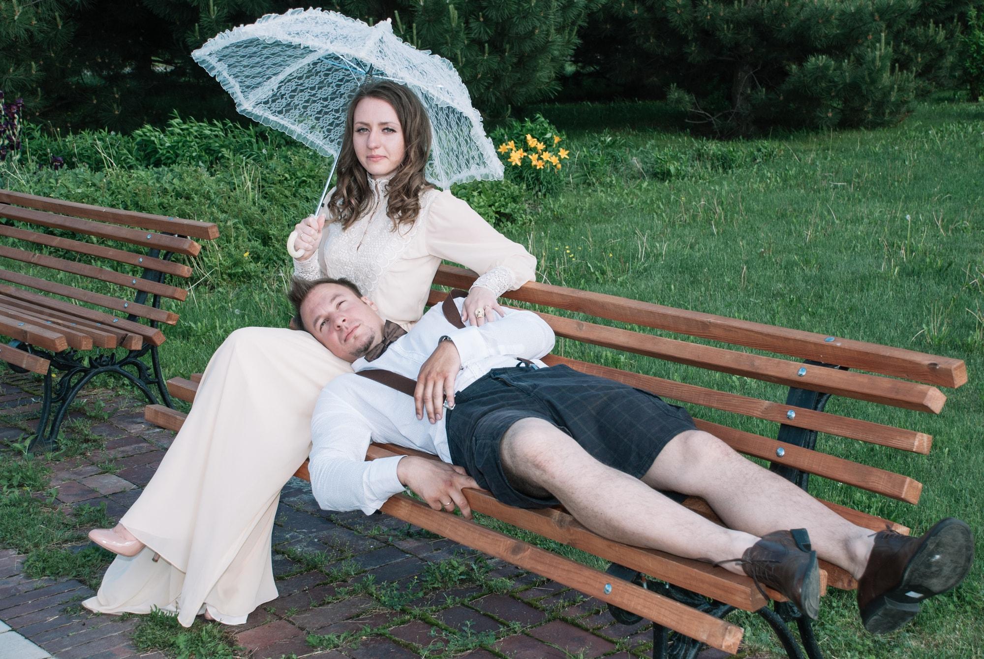 На скамейке в парке - Фотограф Киев - Женя Лайт