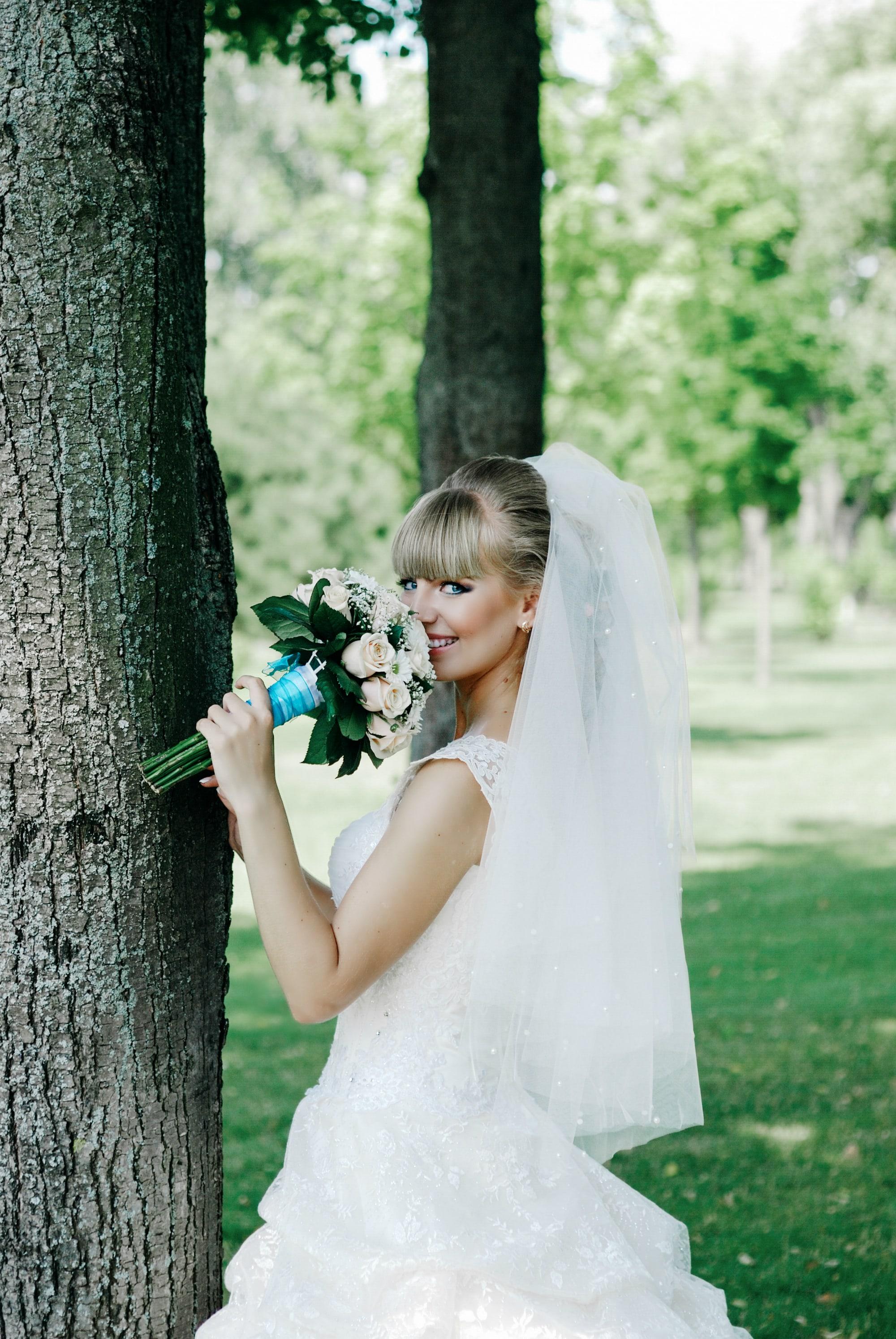 Невеста и букет - Фотограф Киев - Женя Лайт