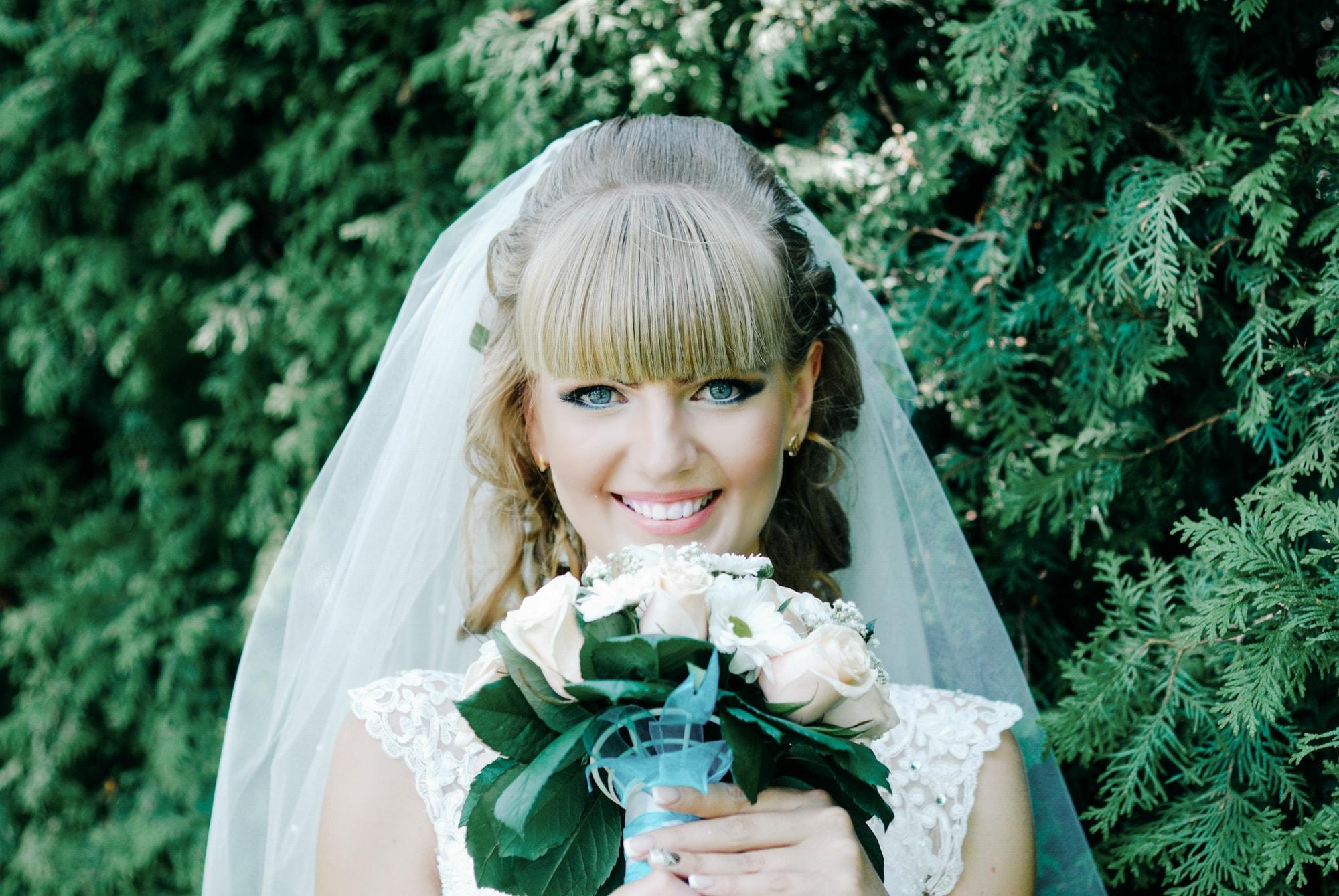 Красивая невеста с букетом - Фотограф Киев - Женя Лайт