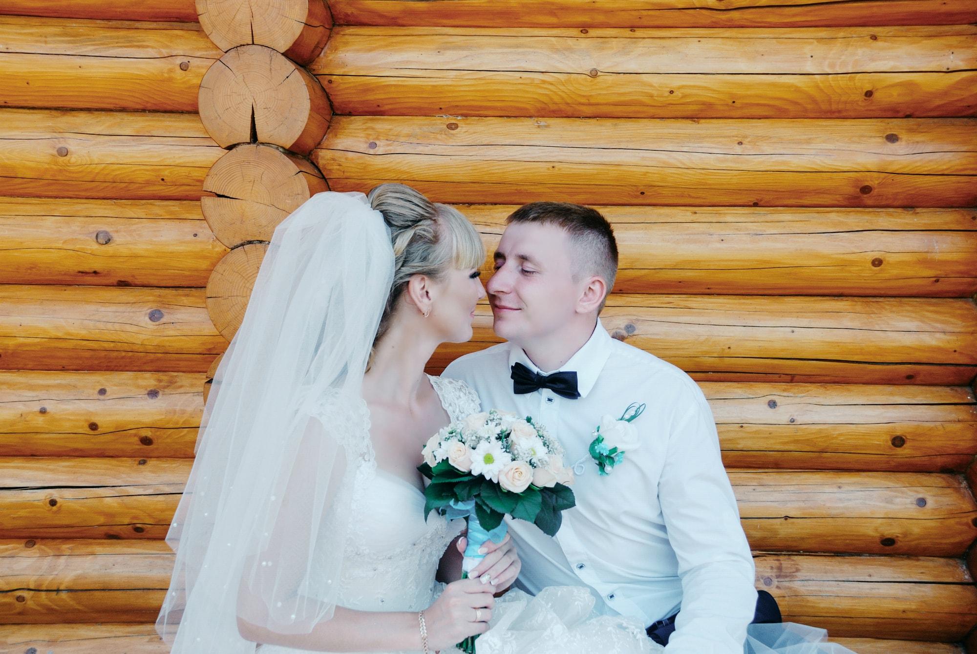 Невеста возле домика - Фотограф Киев - Женя Лайт