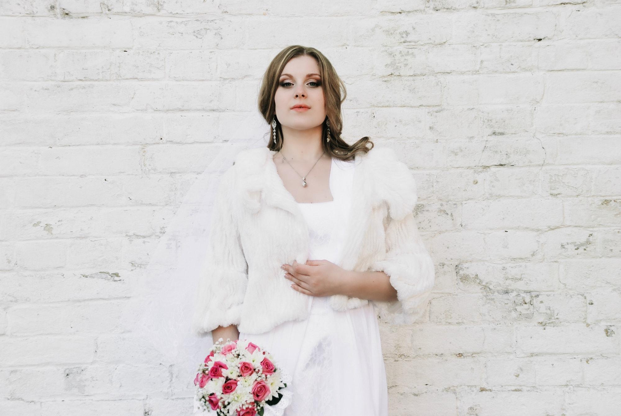 Фотография невесты с букетом - Фотограф Киев - Женя Лайт