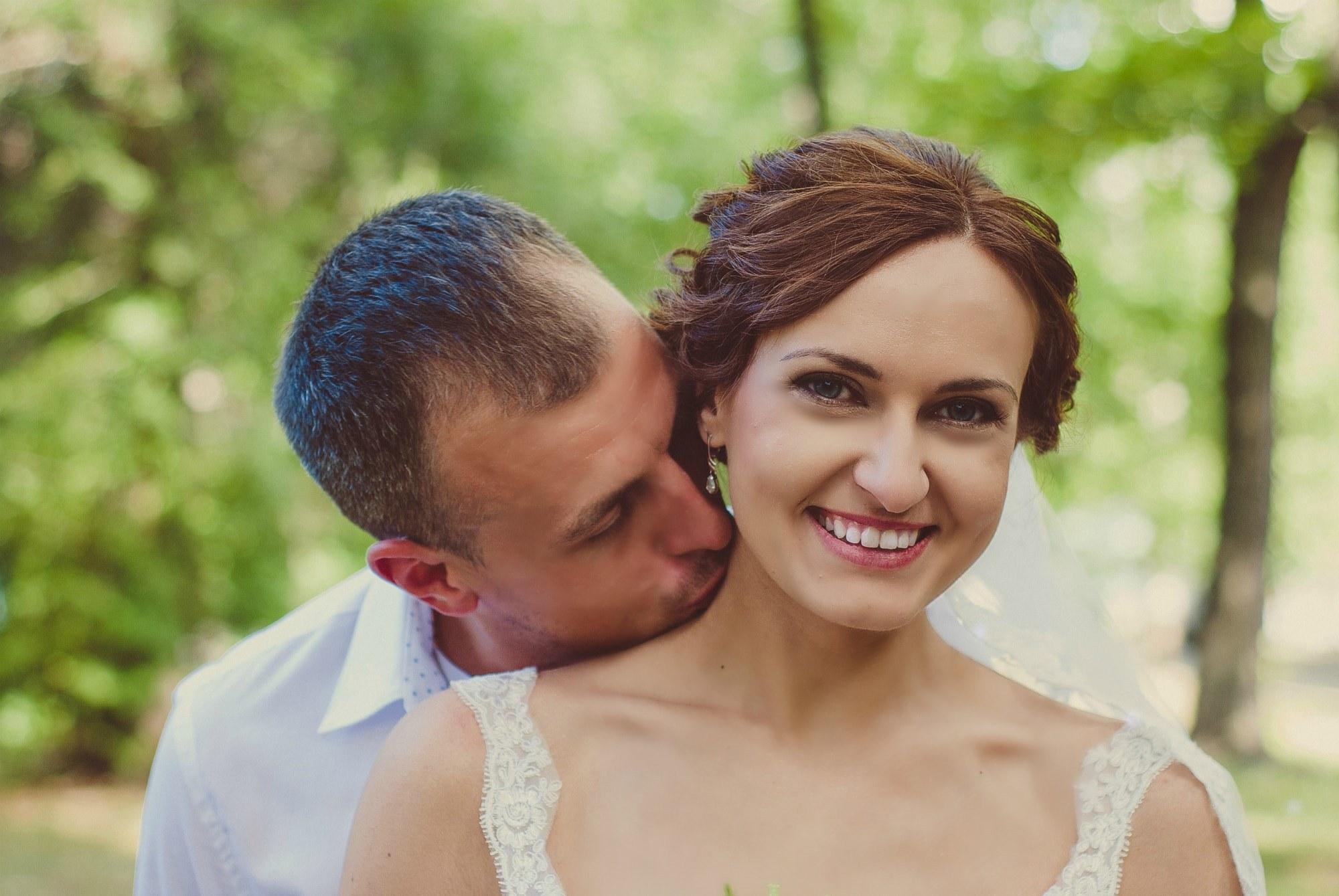 Поцелуй в шею - Фотограф Киев - Женя Лайт