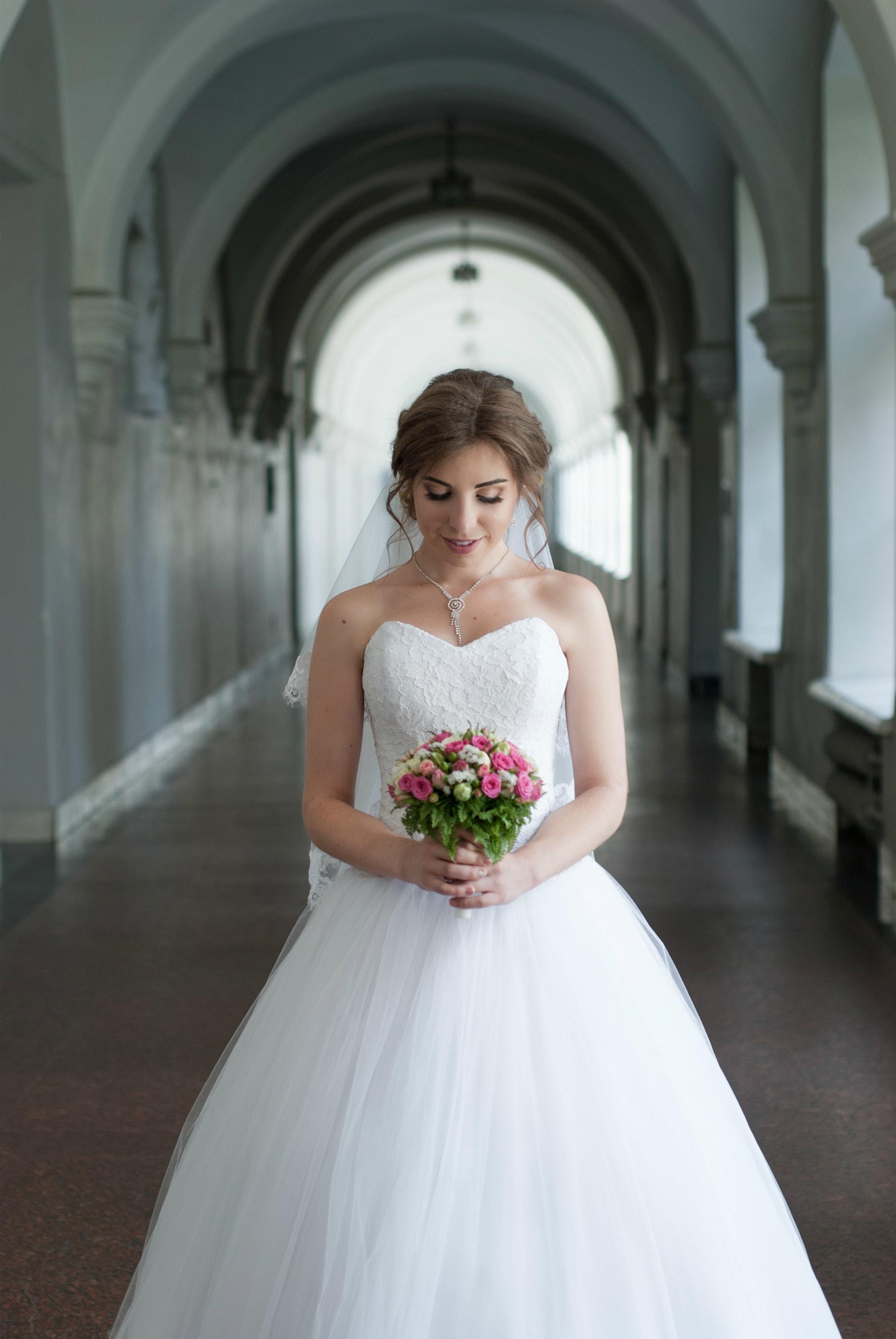 Свадебный букет в руках невесты - Фотограф Киев - Женя Лайт