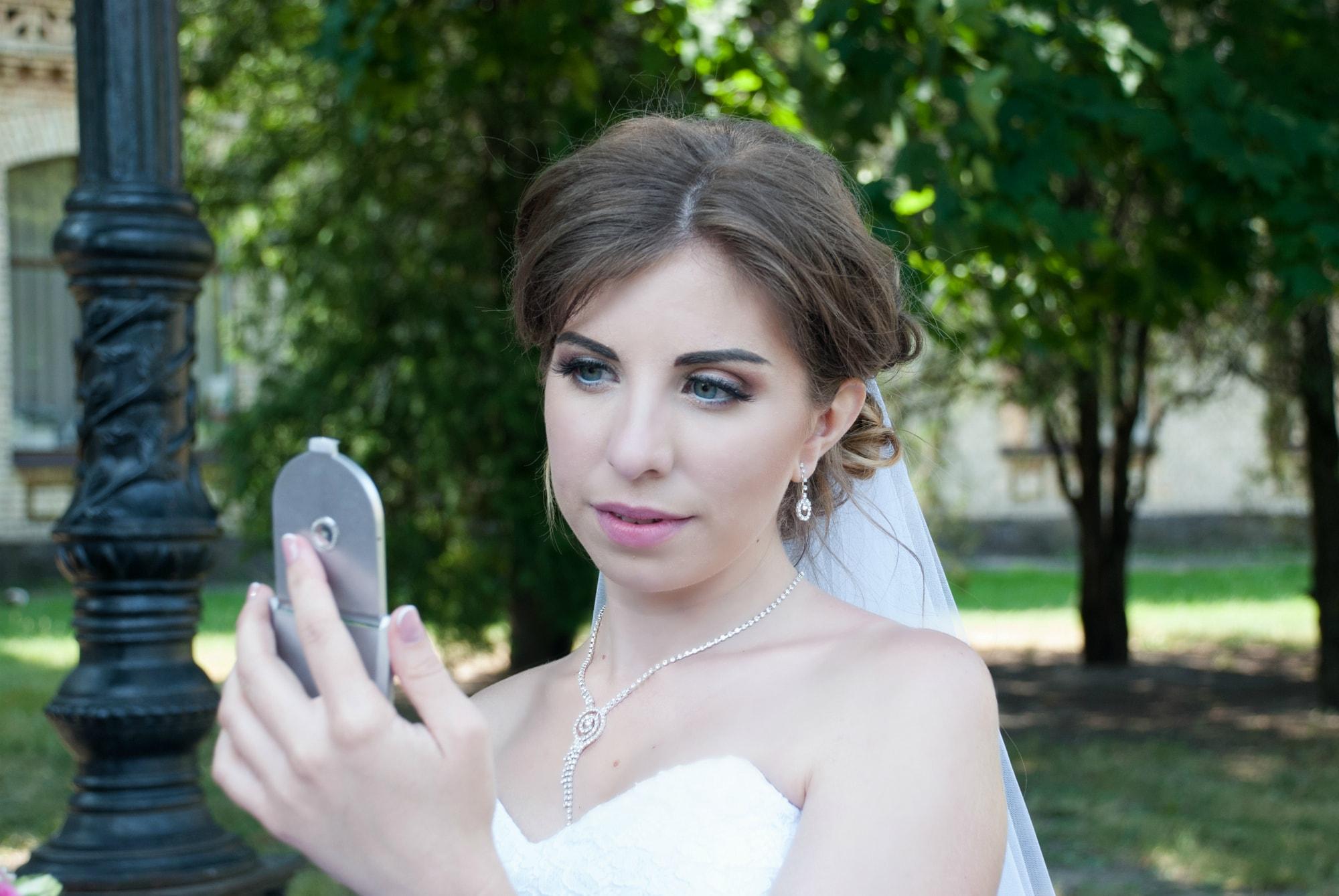 Фотография невесты с зеркалом - Фотограф Киев - Женя Лайт