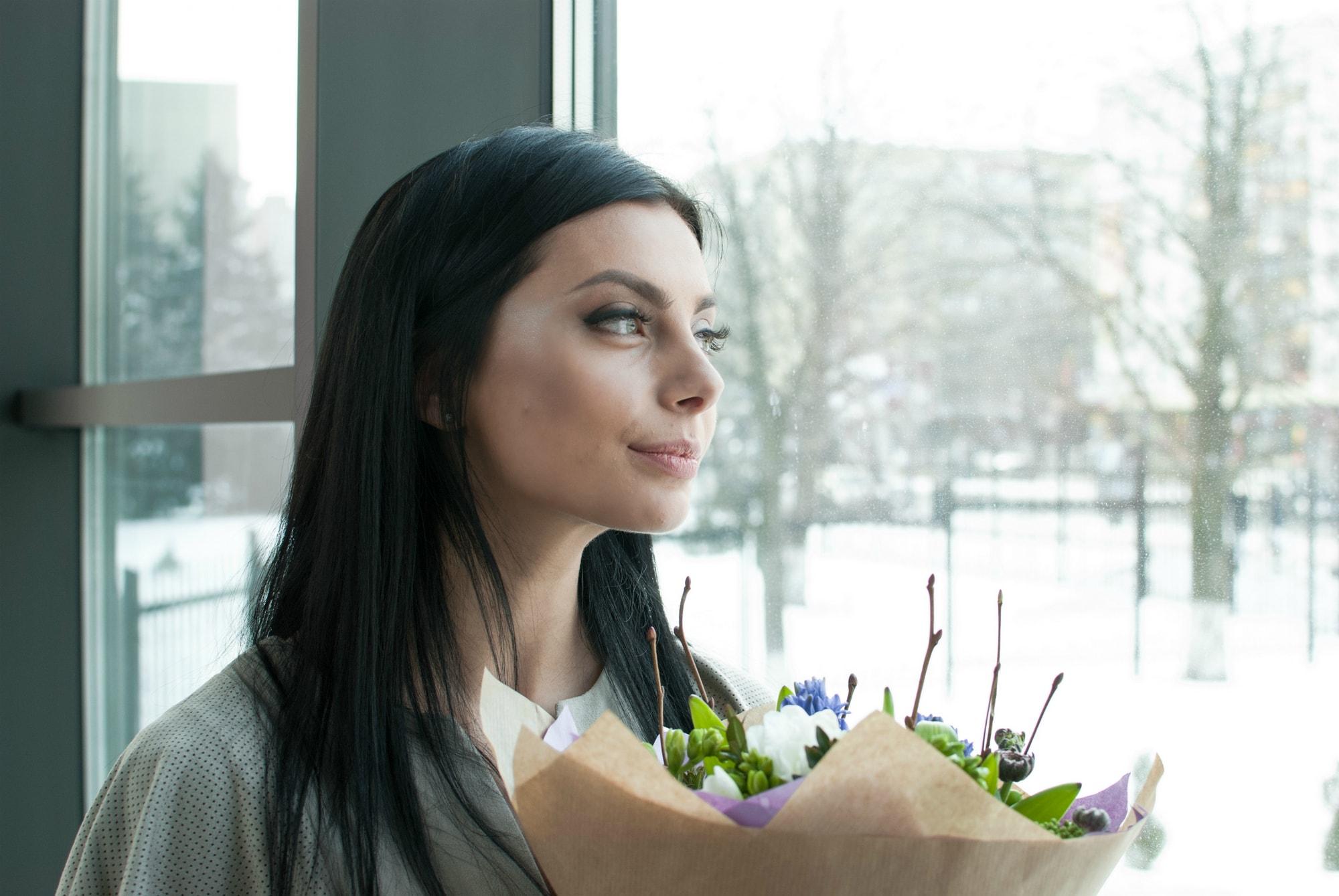 Невеста возле окна - Фотограф Киев - Женя Лайт
