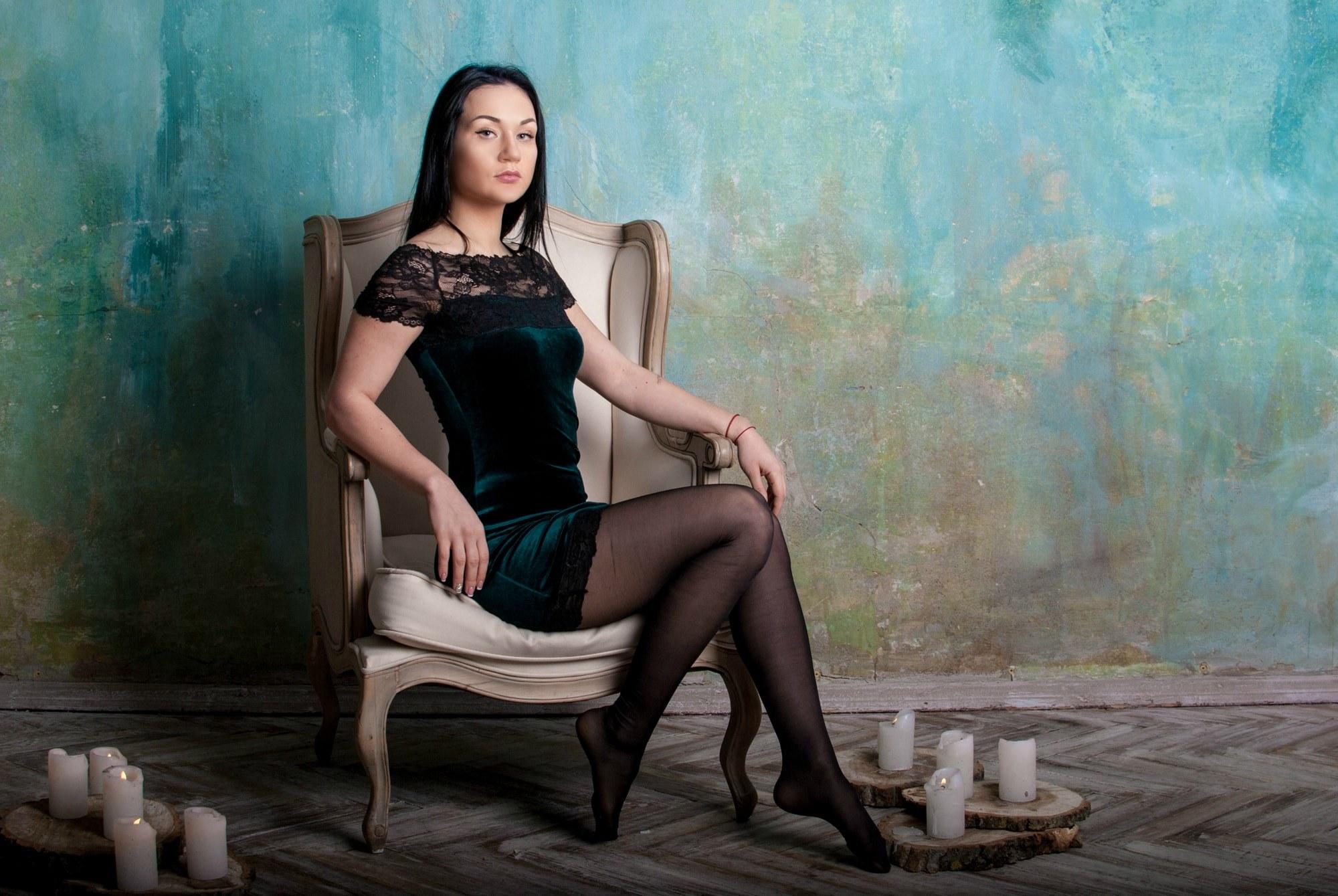 Девушка в кресле - Фотограф Киев - Женя Лайт
