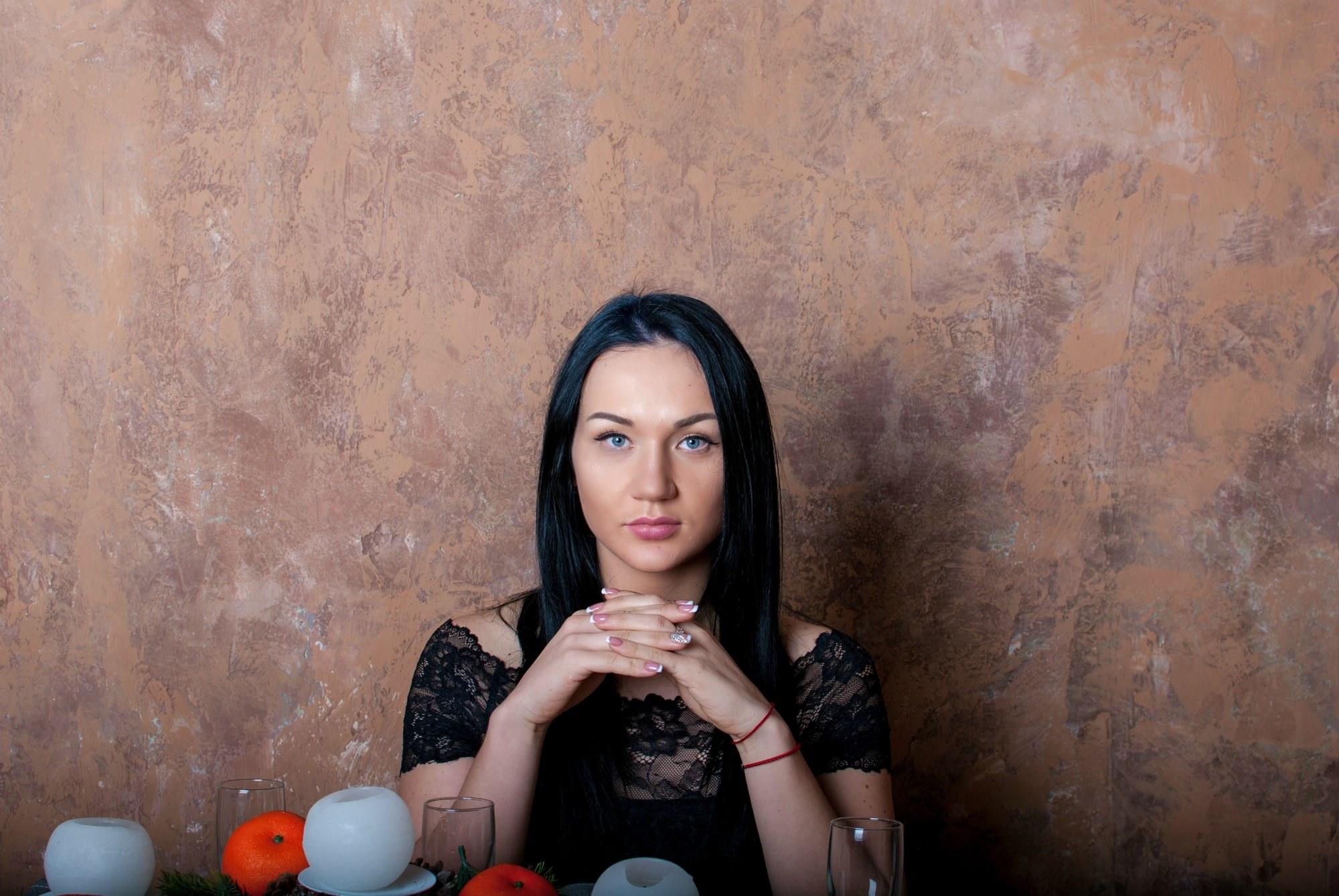 Женщина позирует фотографу - Фотограф Киев - Женя Лайт