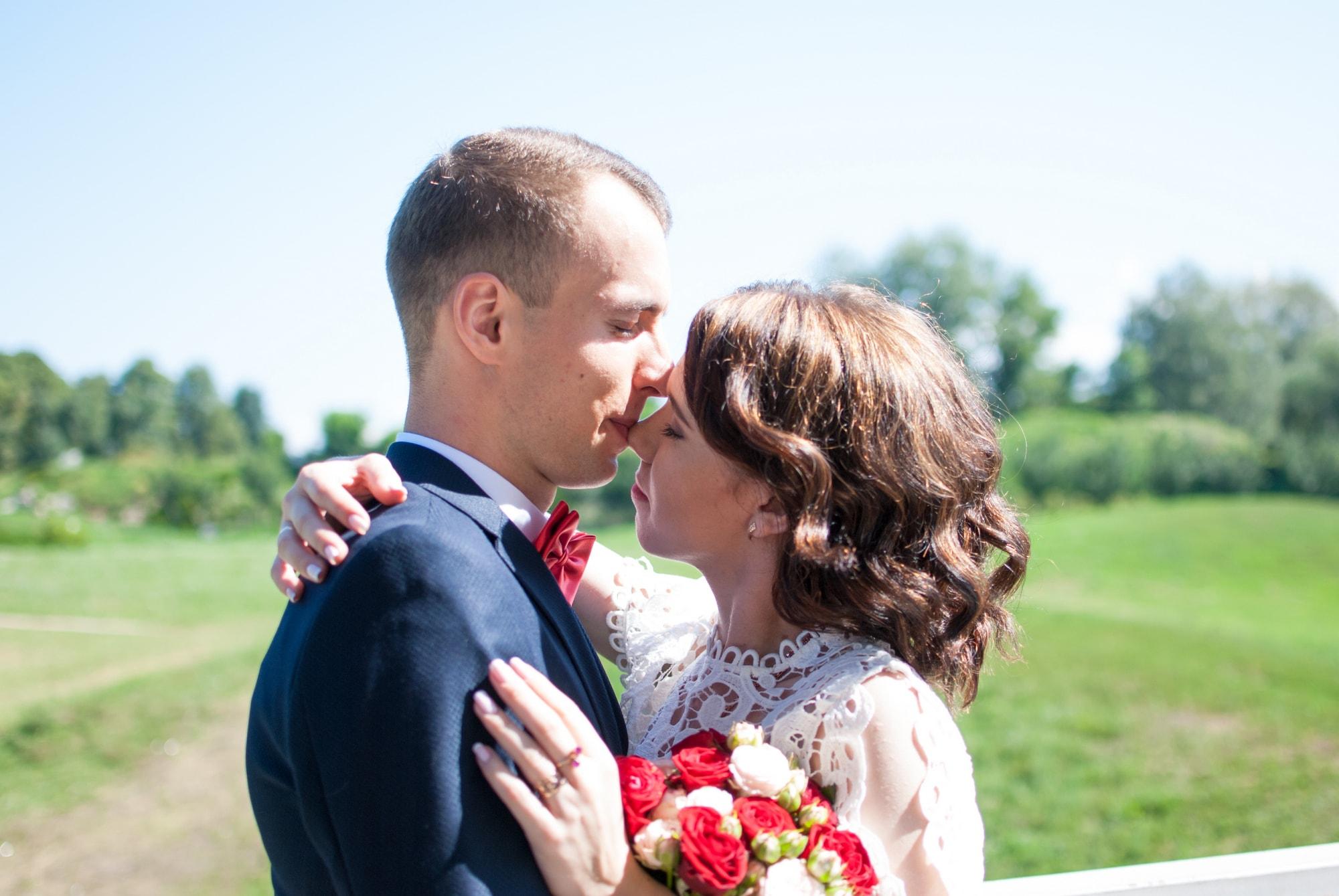 Свадебная фотосессия жениха и невесты в Ботаническом саду