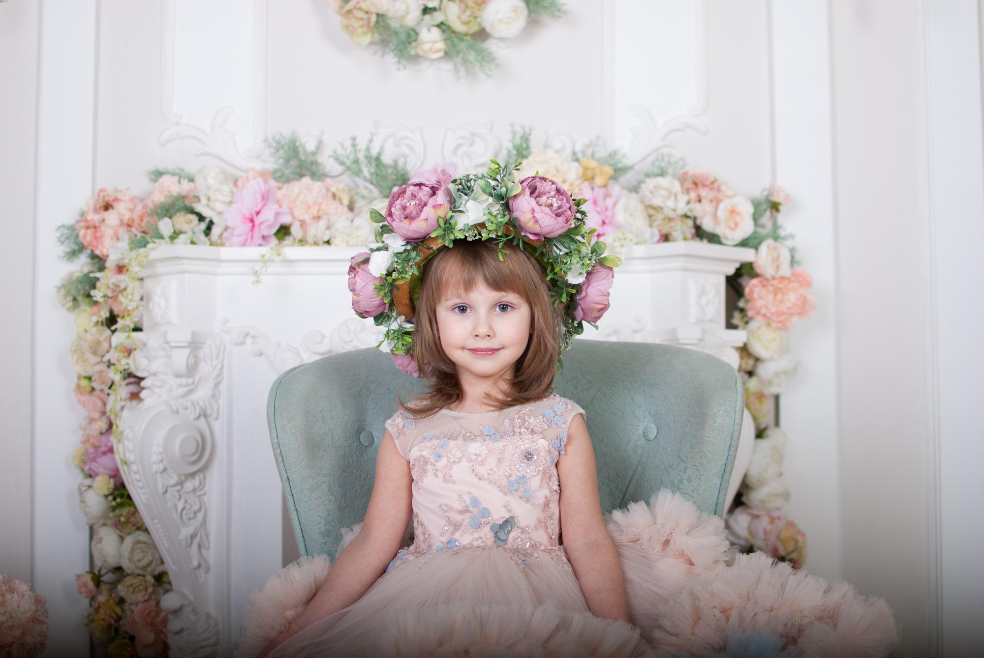 Девочка Сандра в фотостудии