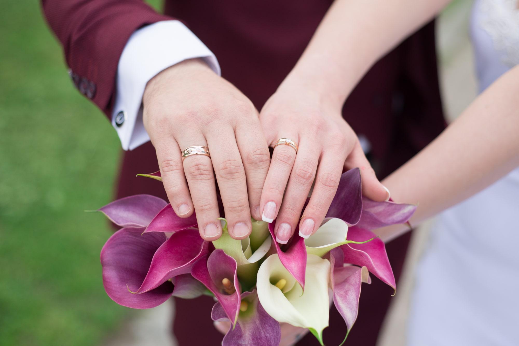 Свадебные кольца и букет - Фотограф Женя Лайт