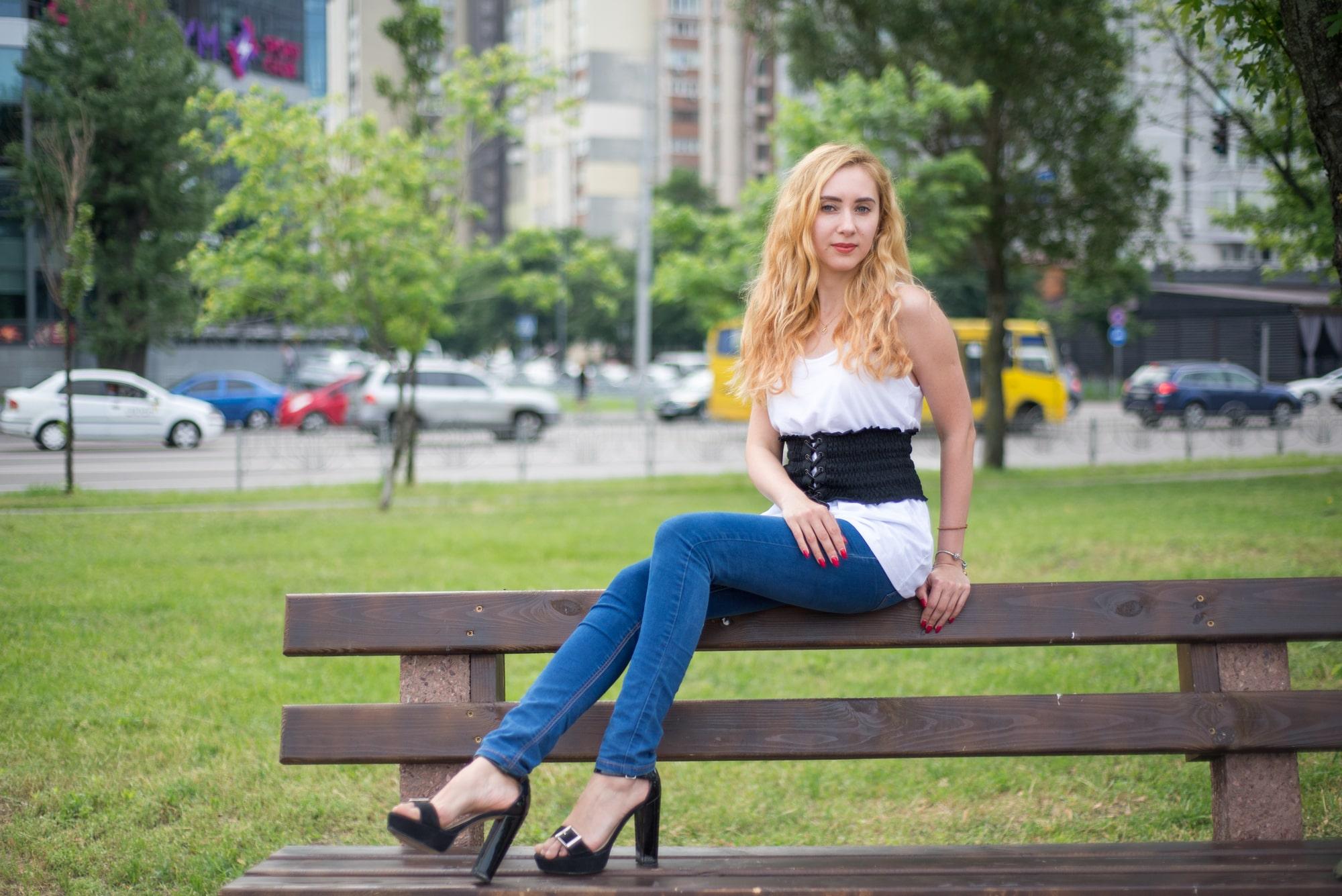 Смелая фотосессия в парке - Фотограф Женя Лайт