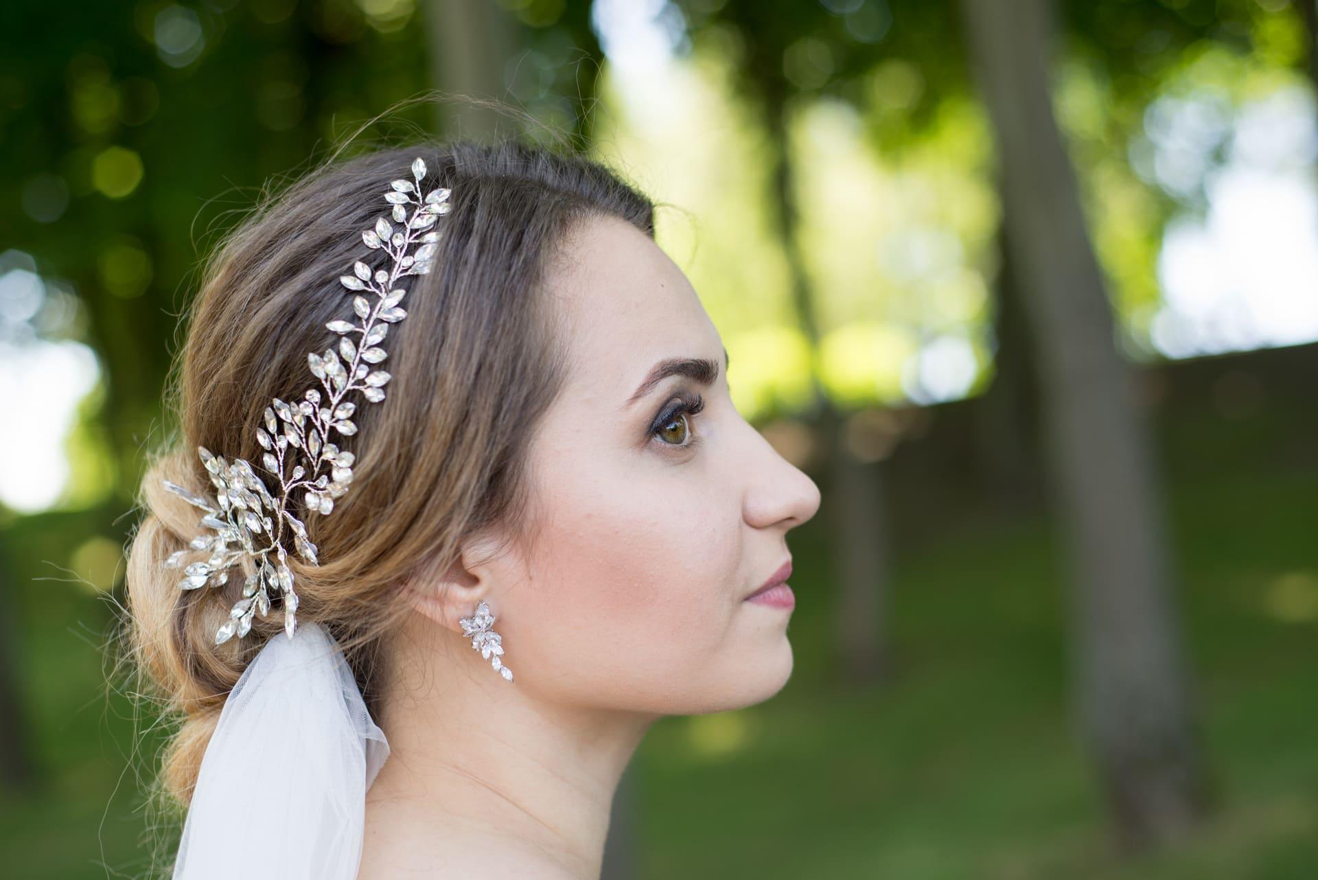 Свадебная фотосессия в Межигорье: Украшение для невесты