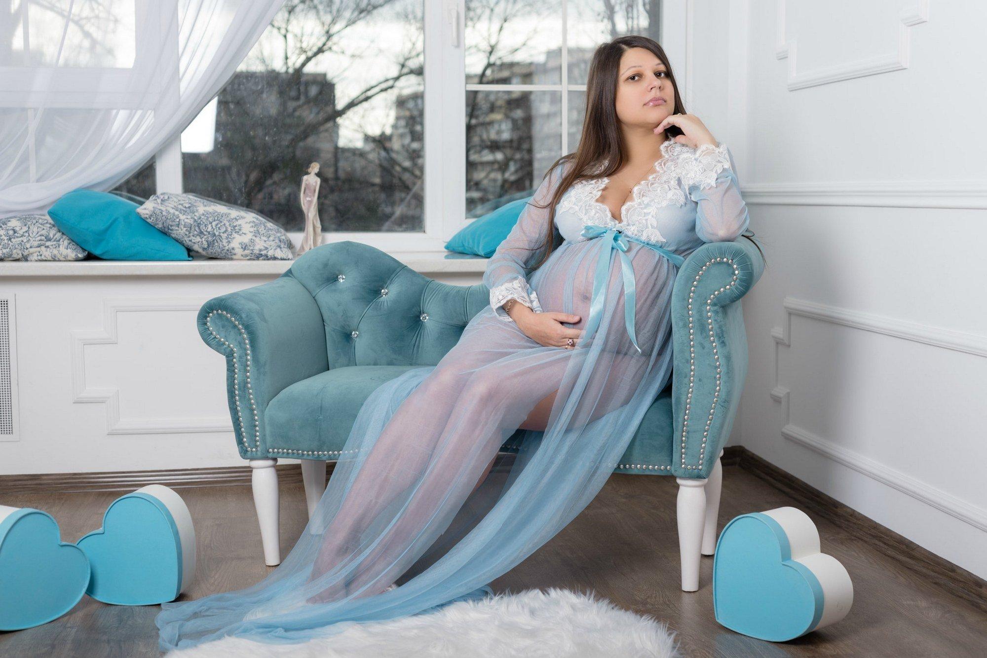 Фотосессия беременности в студии Amore